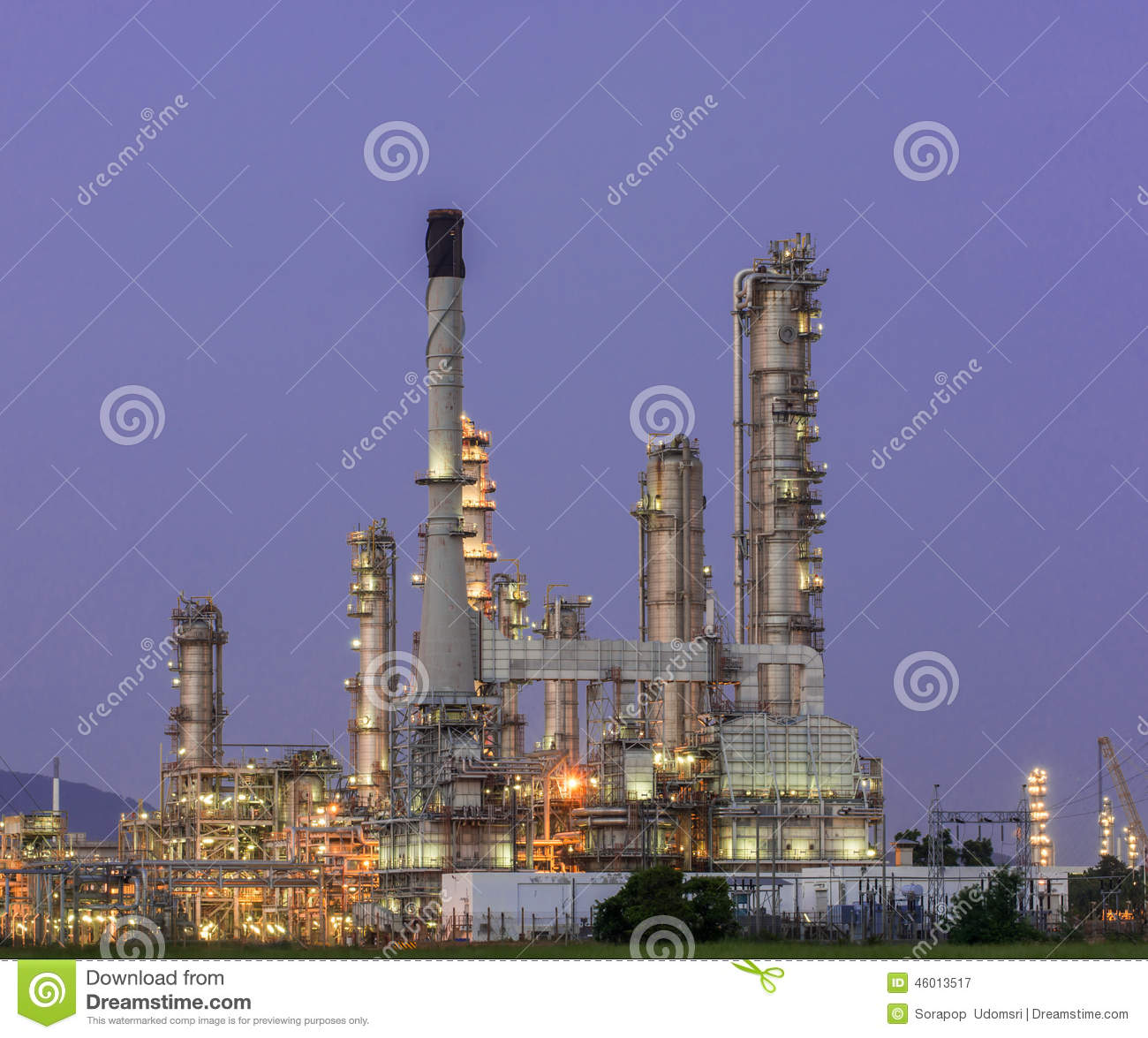 Download Petrochemical Industrial Plant Power Station Stock Image - Image of greenhouse, distillery: 46013517