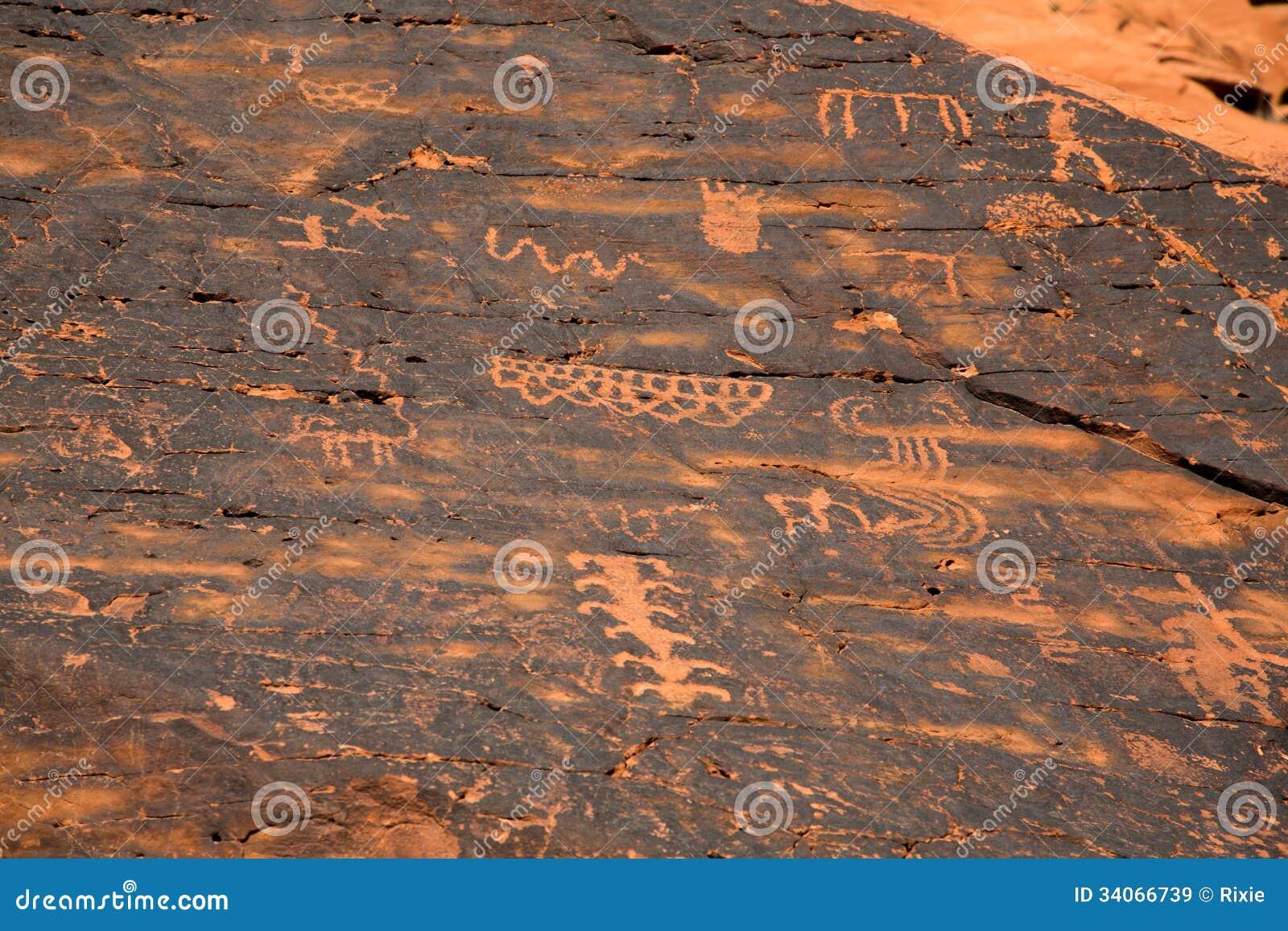 Petroglyphen im Tal des Feuers