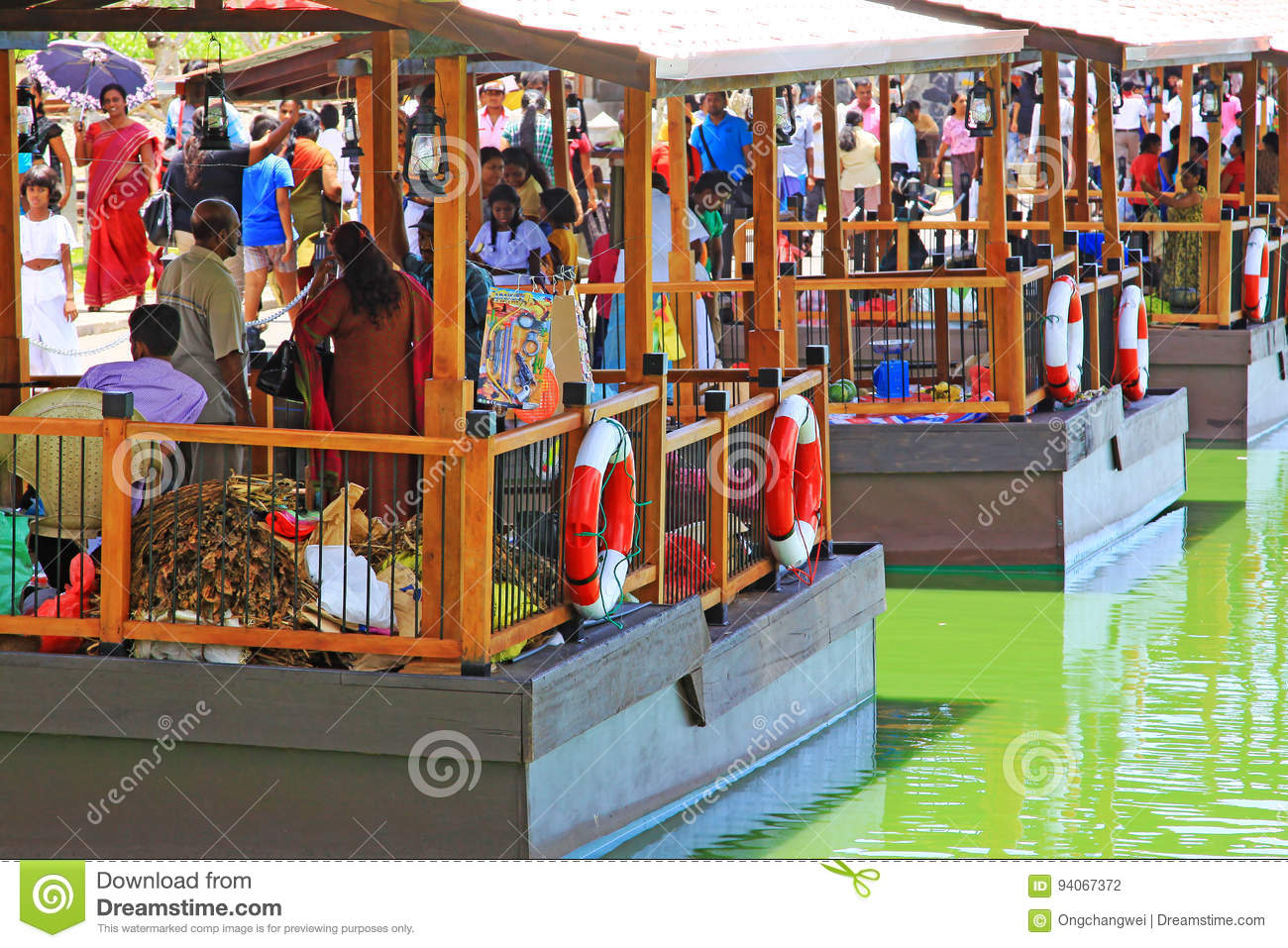 Pettah floating market colombo sri lanka editorial for Pettah market colombo