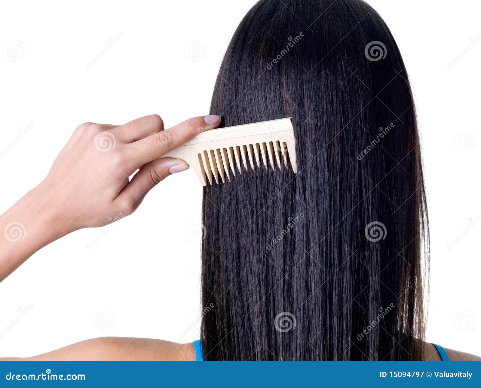 Pettinatura dei capelli femminili