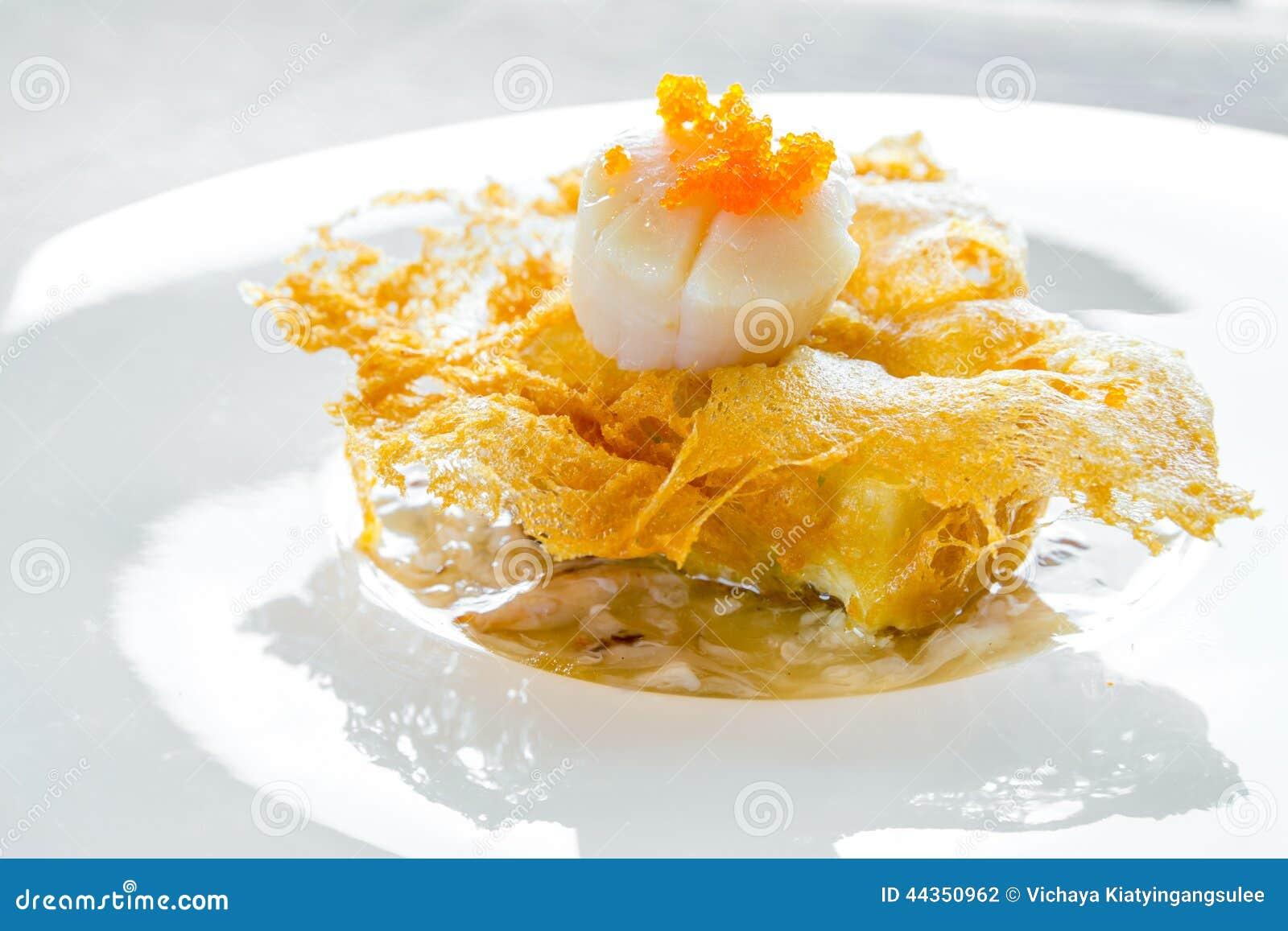 Pettine dell Hokkaido con la salsa della polpa di granchio