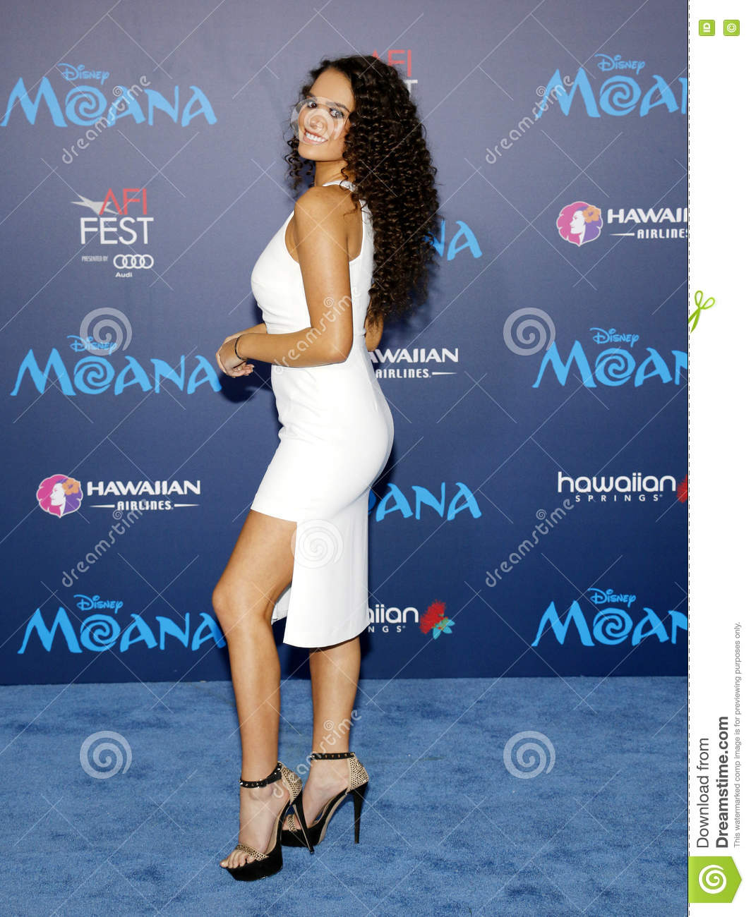 Madison Pettis Nude Photos 36