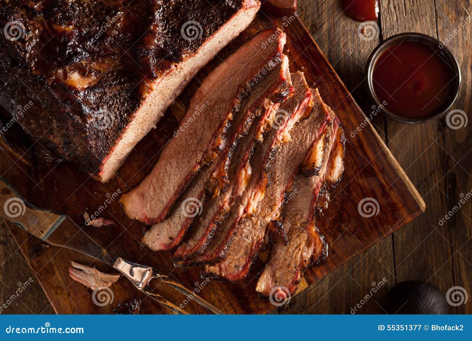 Petto di manzo affumicato casalingo del barbecue