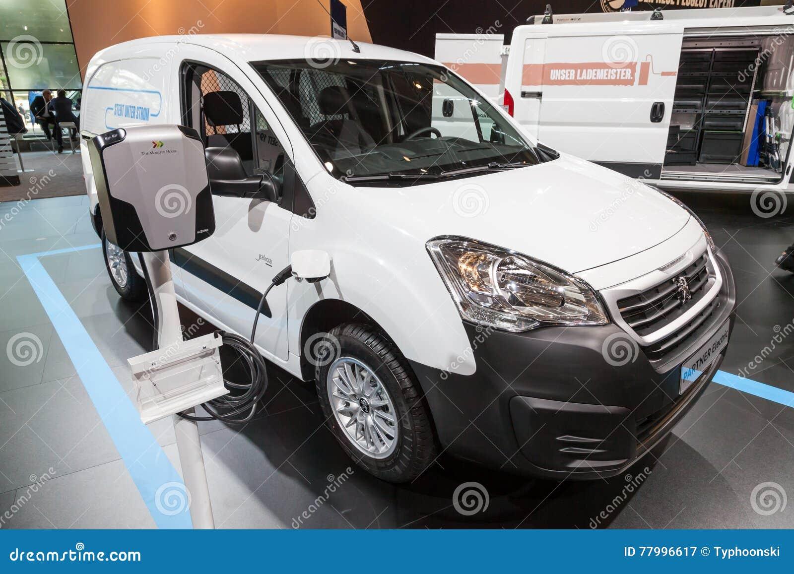 Peugeot Partner Elektrische Bestelwagen Redactionele Fotografie