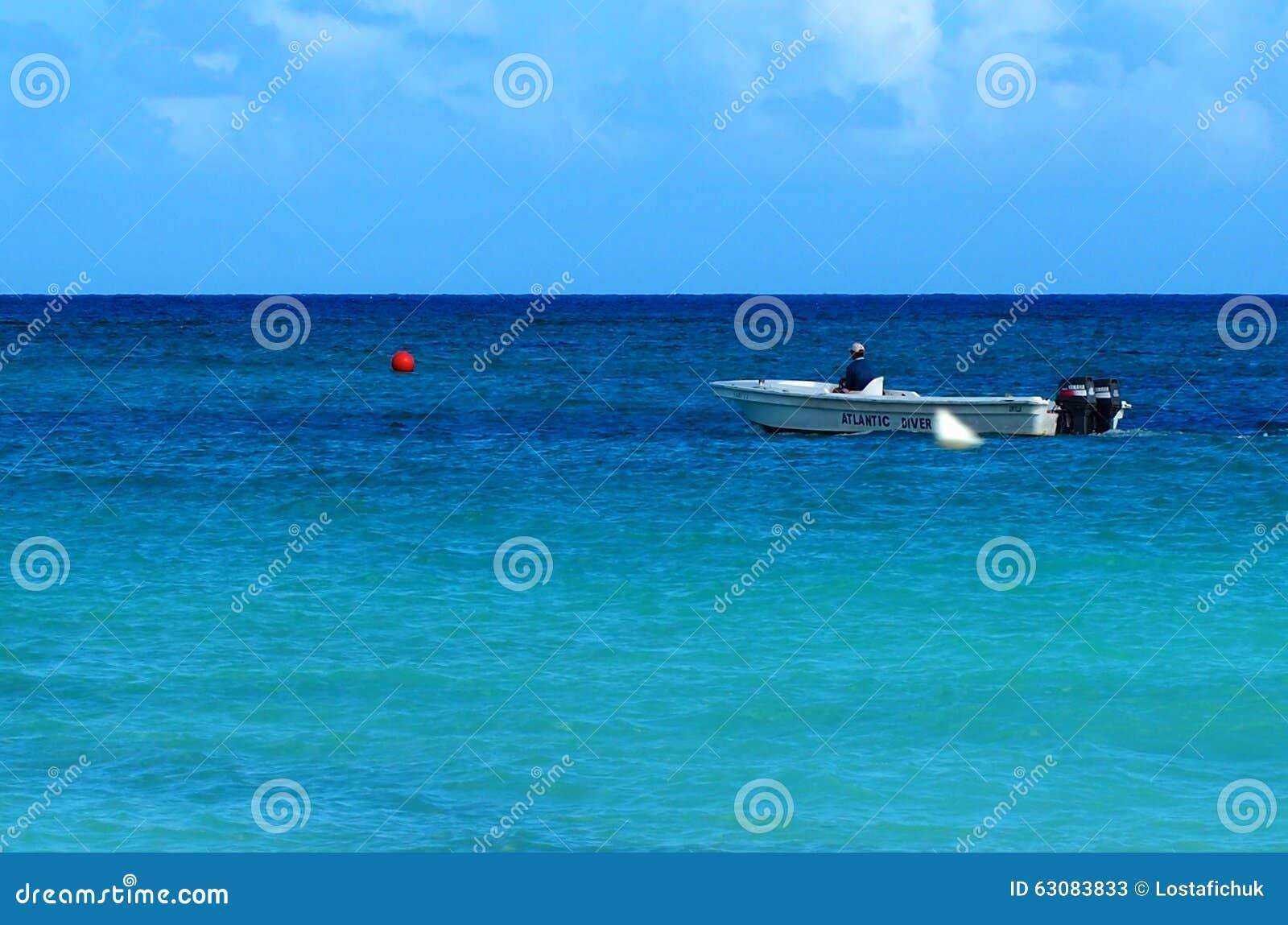 Download Peuple du Cuba photo stock éditorial. Image du océan - 63083833
