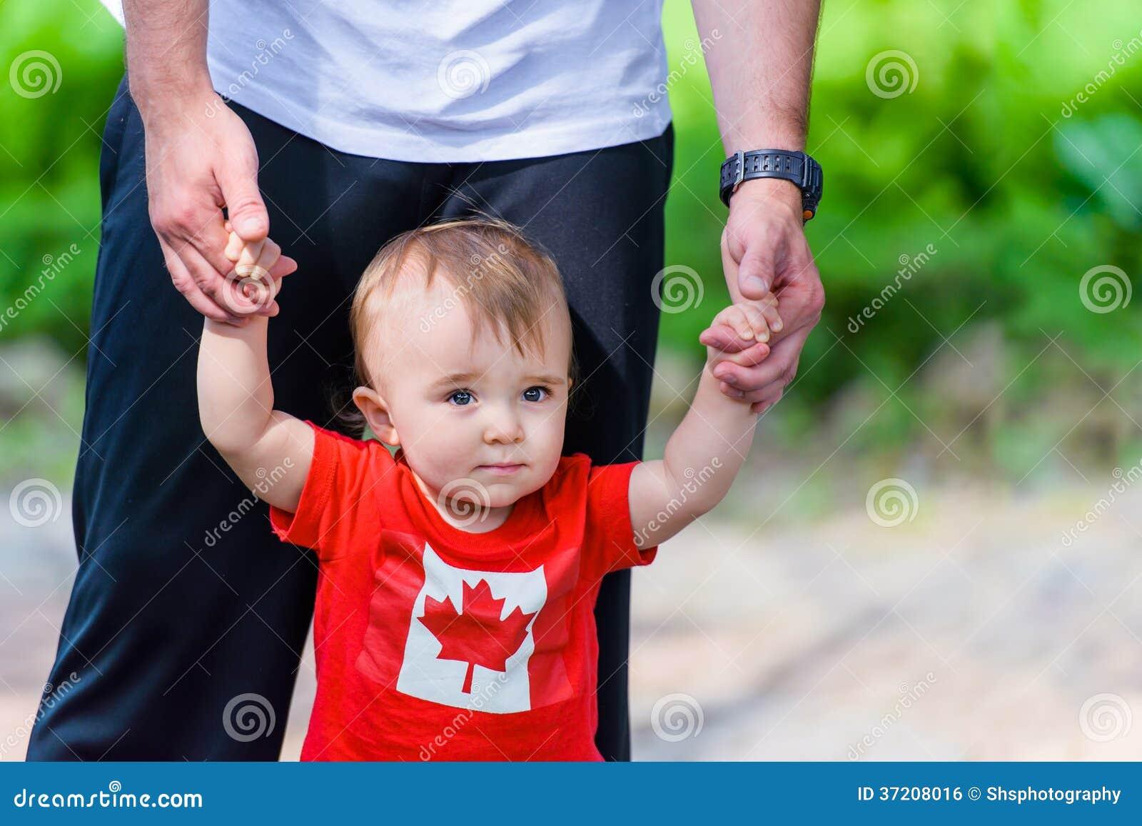 Peuter in het overhemd van Canada