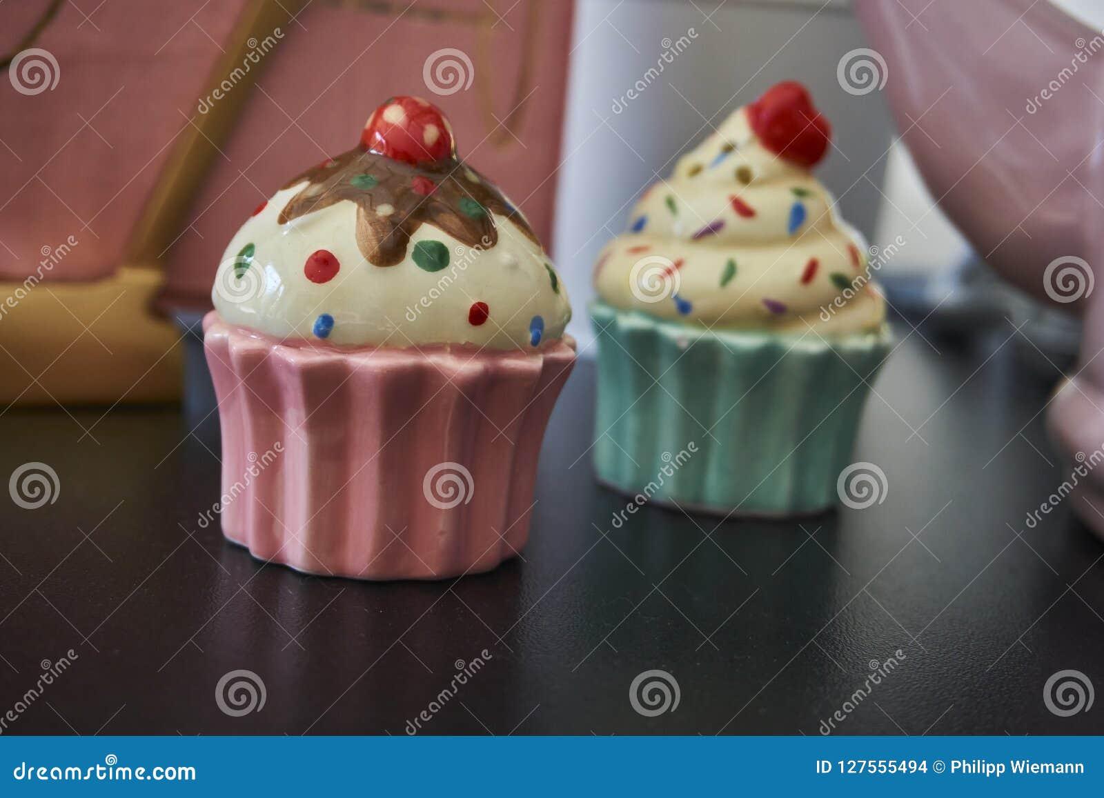Pfannkuchen aus Porzellan heraus