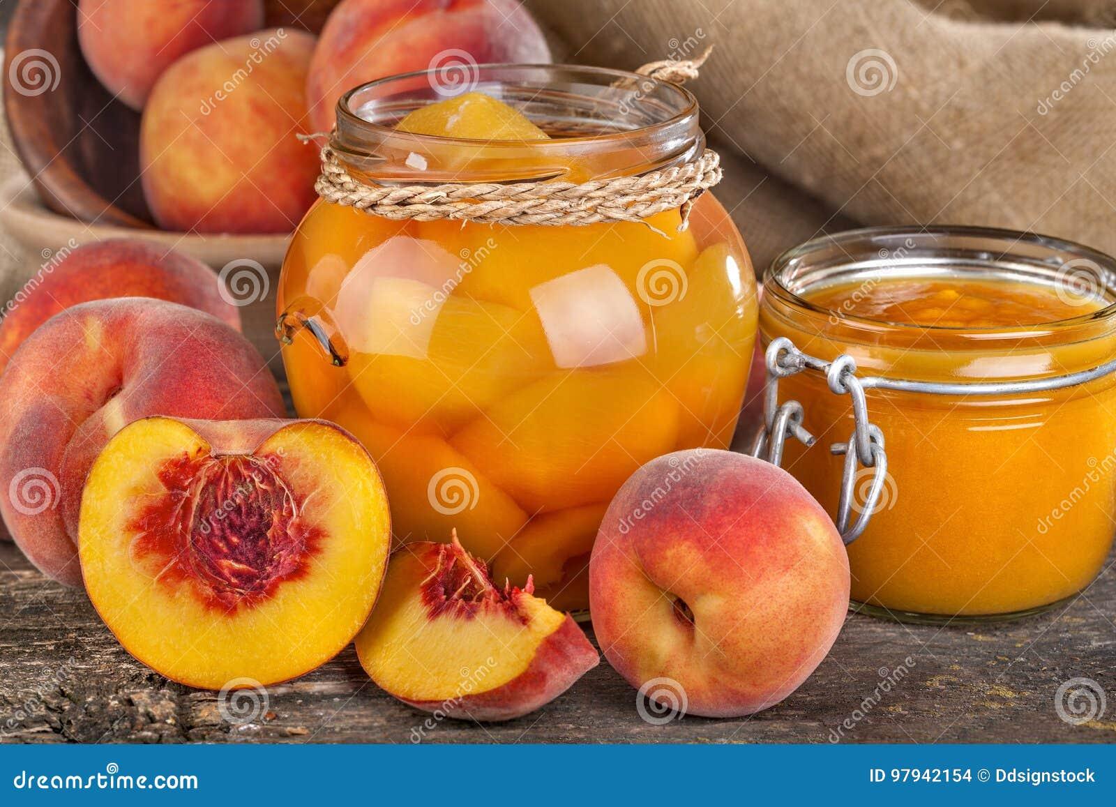 Pfirsiche bereit zur Bewahrung