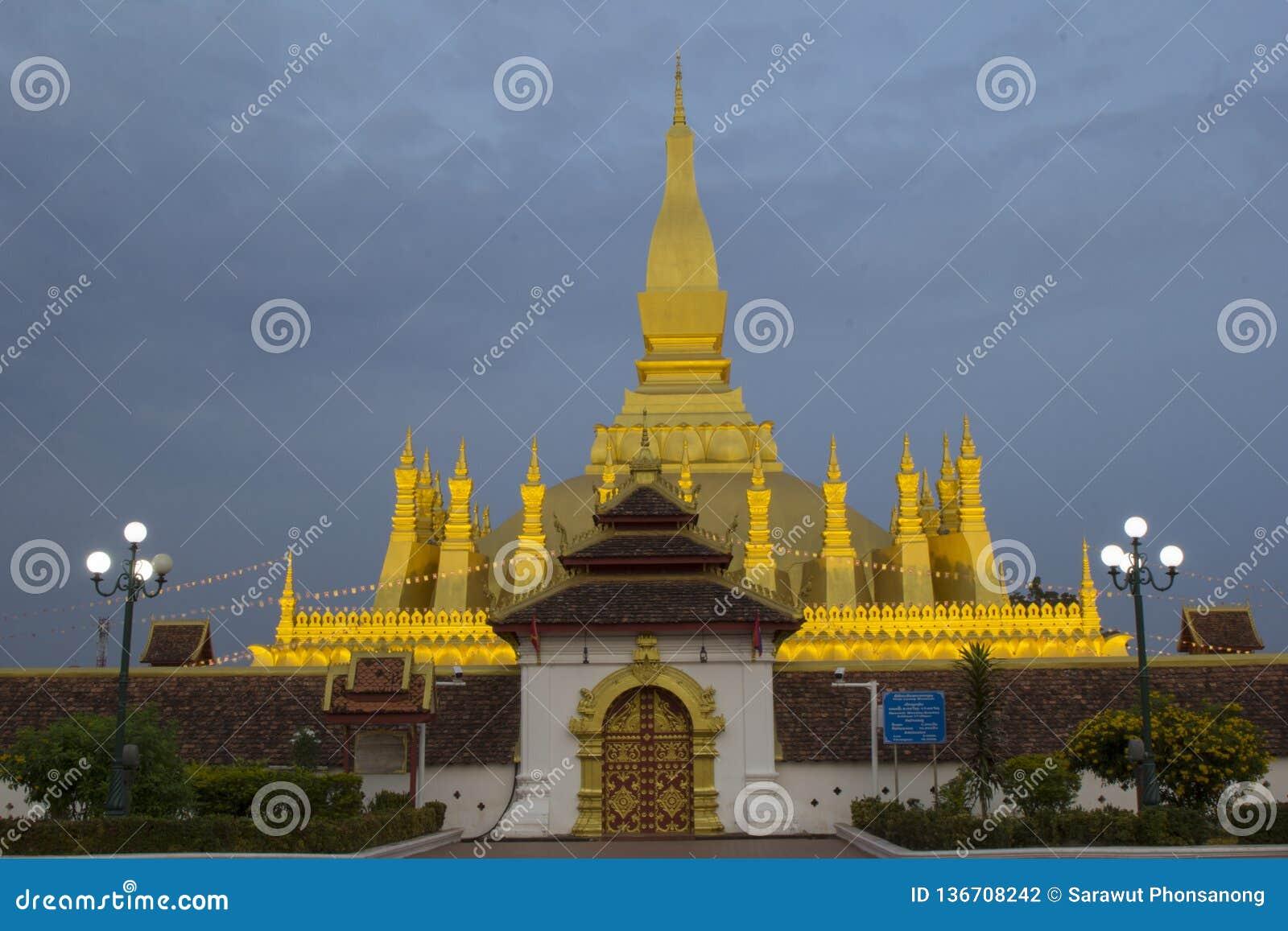 Pha che punti di riferimento di Luang del Laos