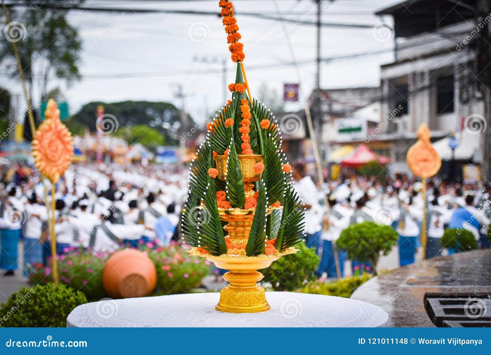 Phan тайское традиционное Baci - предлагающ