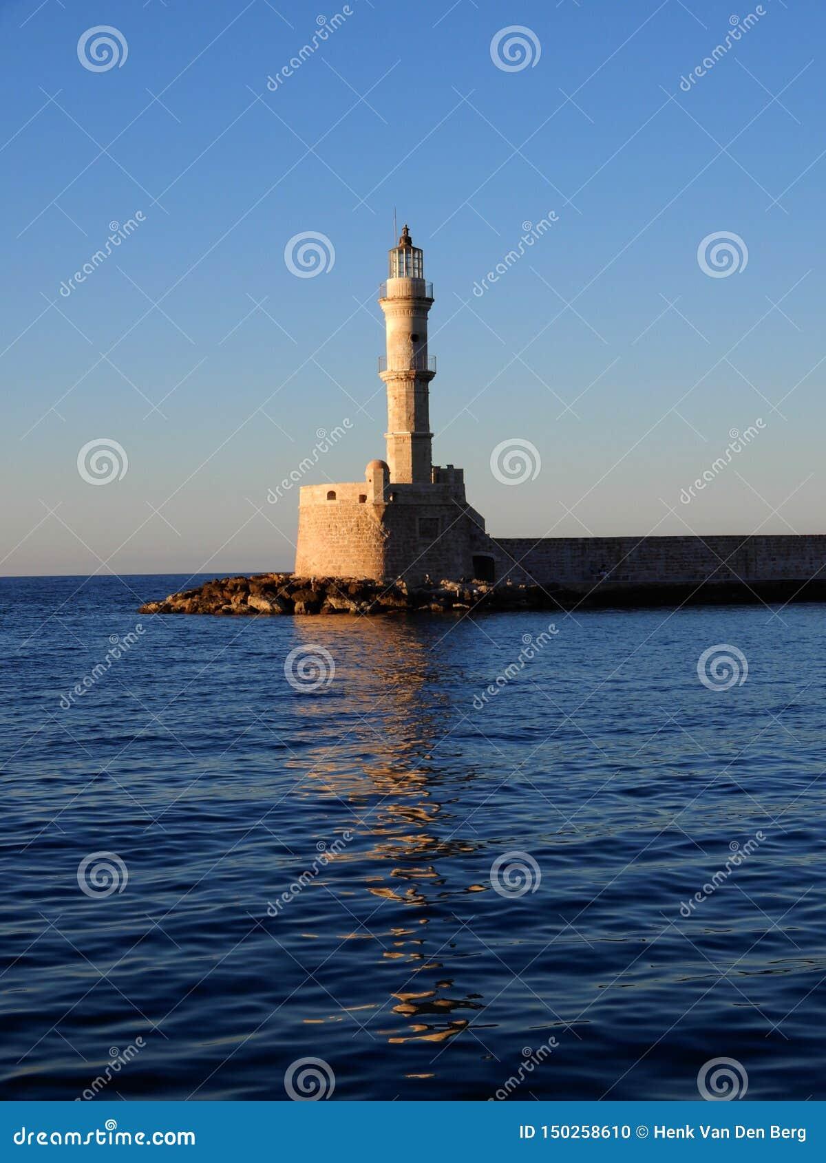 Phare dans le port de Chania, Crète, Grèce