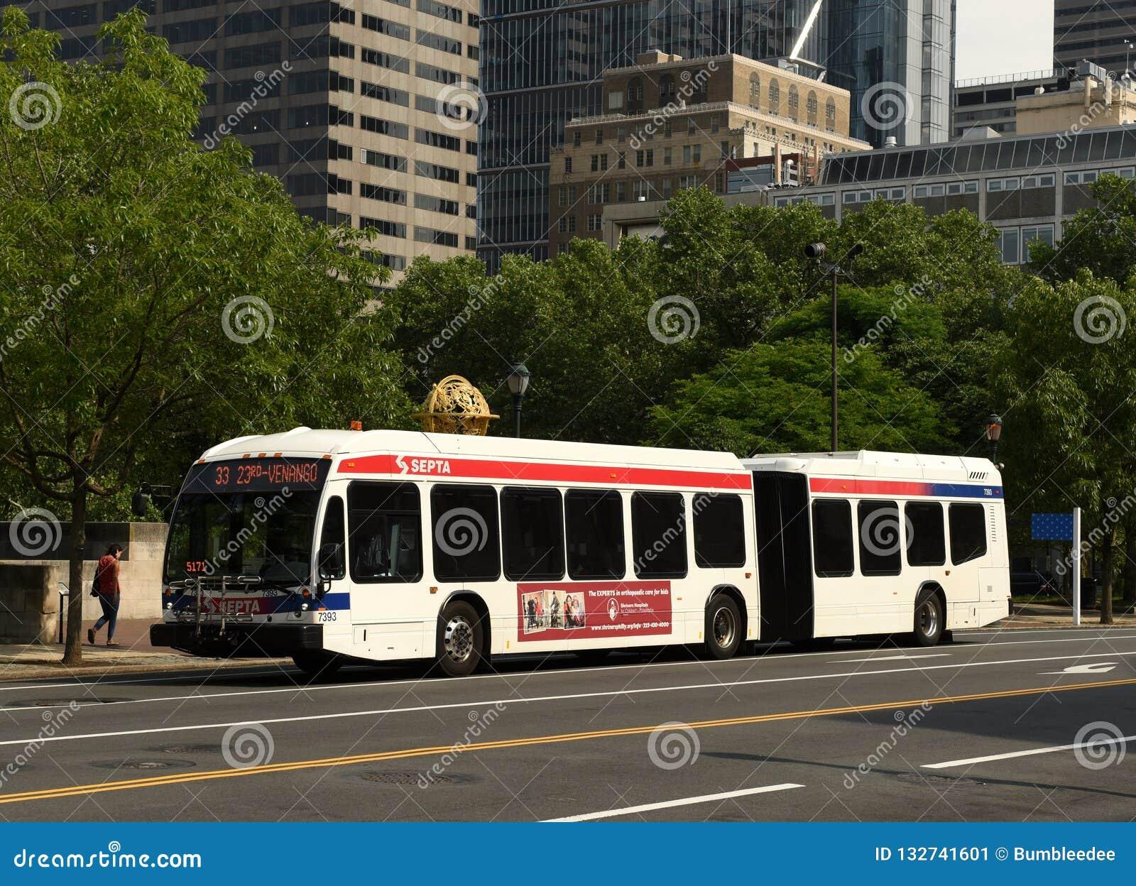 Philadelphia, de V.S. - 29 Mei, 2018: Bus binnen de stad in van Philadelphi