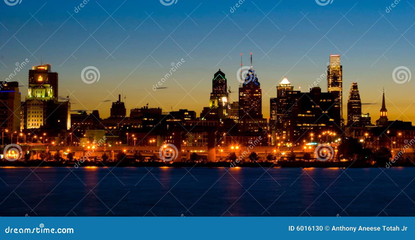 Philadelphie au coucher du soleil (panoramique)