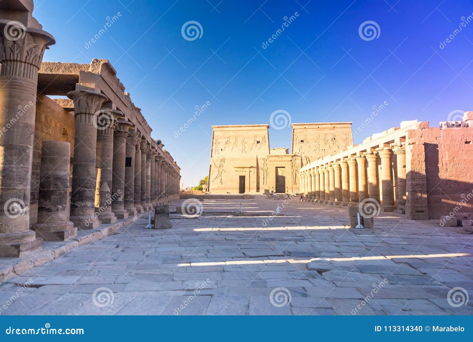 Philae tempel i aswan på Nilen i Egypten