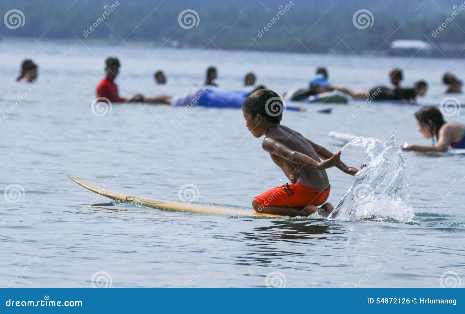 PHILIPPINES-SURFING-SUMMER