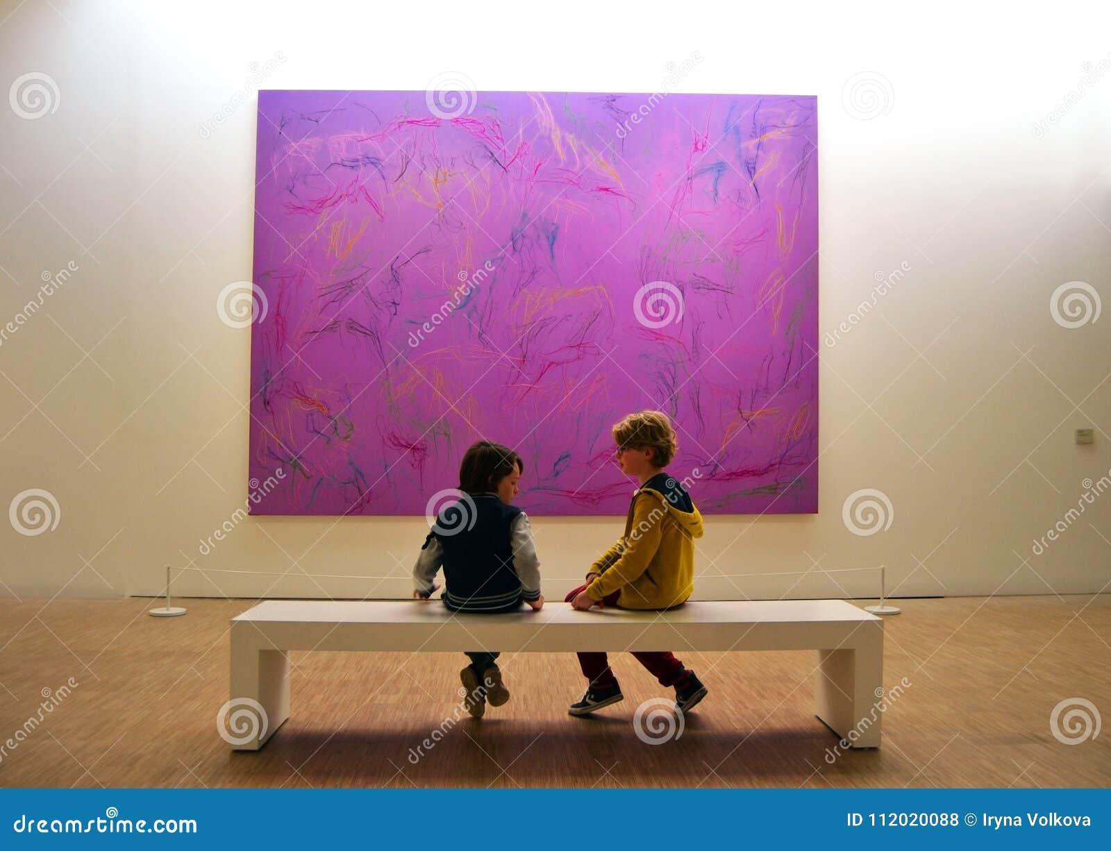 Philosophie ultra-violette au musée de Lille Metropole de l art moderne, de contemporain et d étranger