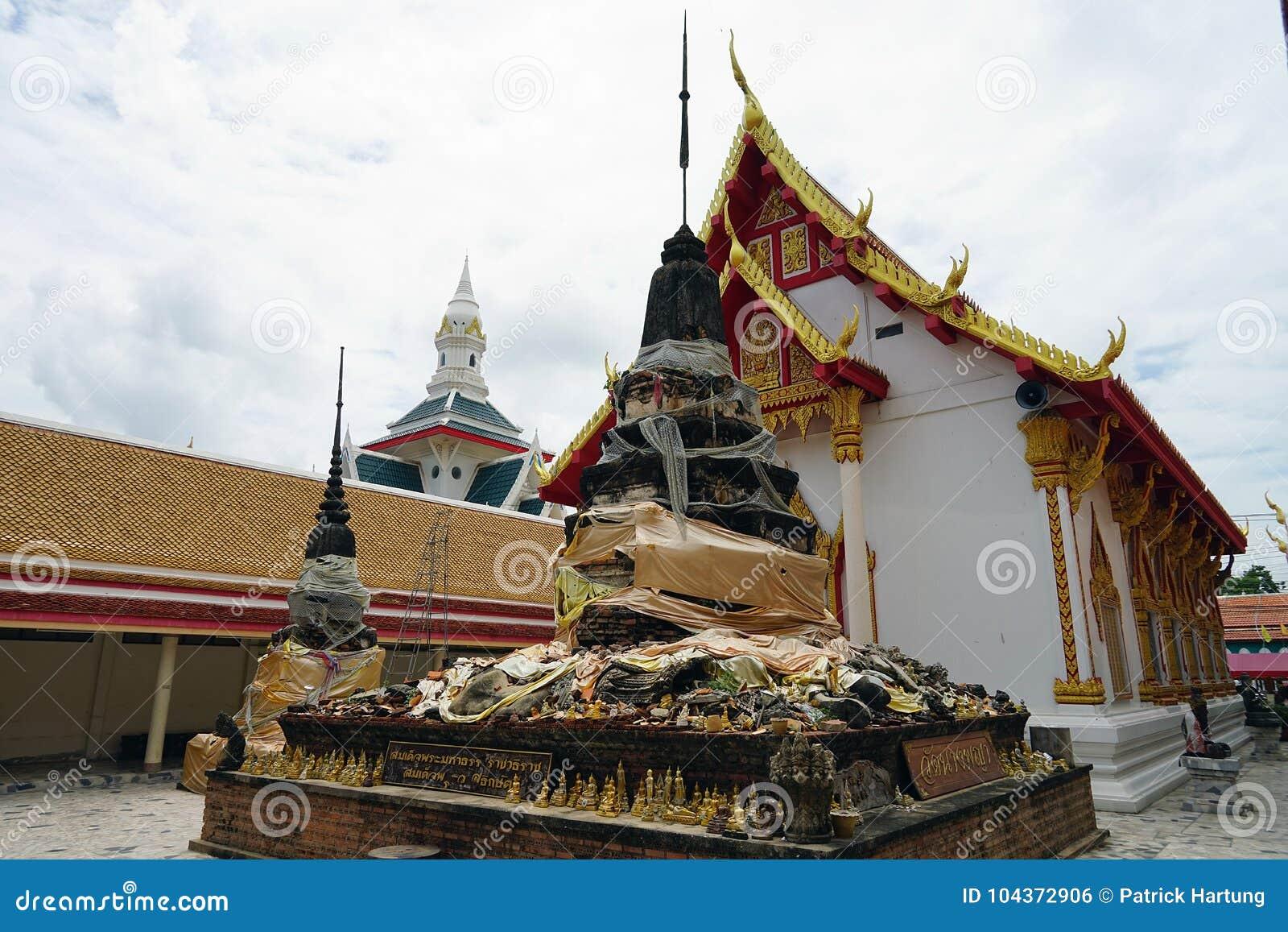 Download Phitsanulok Buddha Thailand Temple Buddhism God Travel Religion Stock Photo - Image of phitsanulok, asia: 104372906