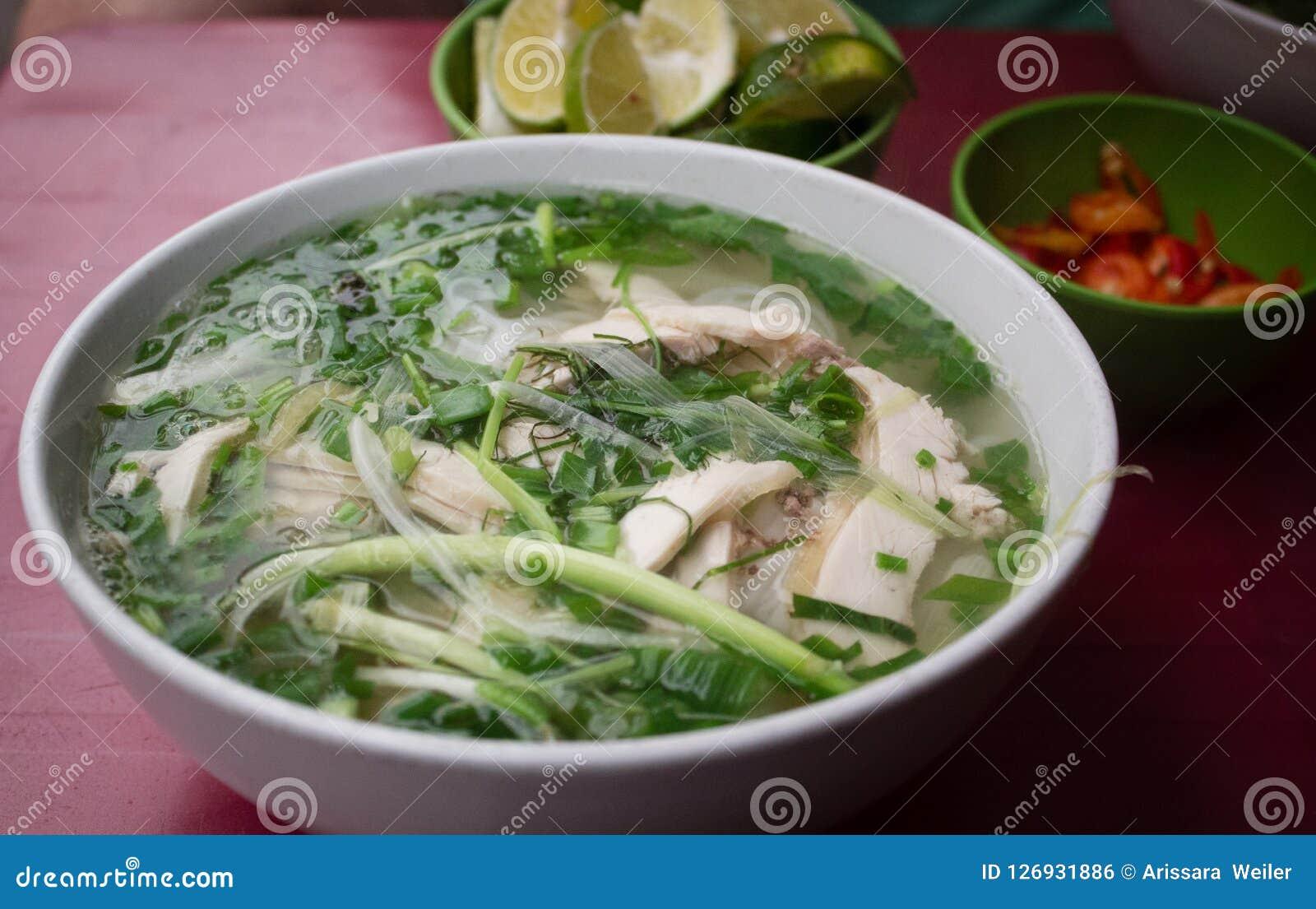 Pho - potage au poulet de nouille de riz