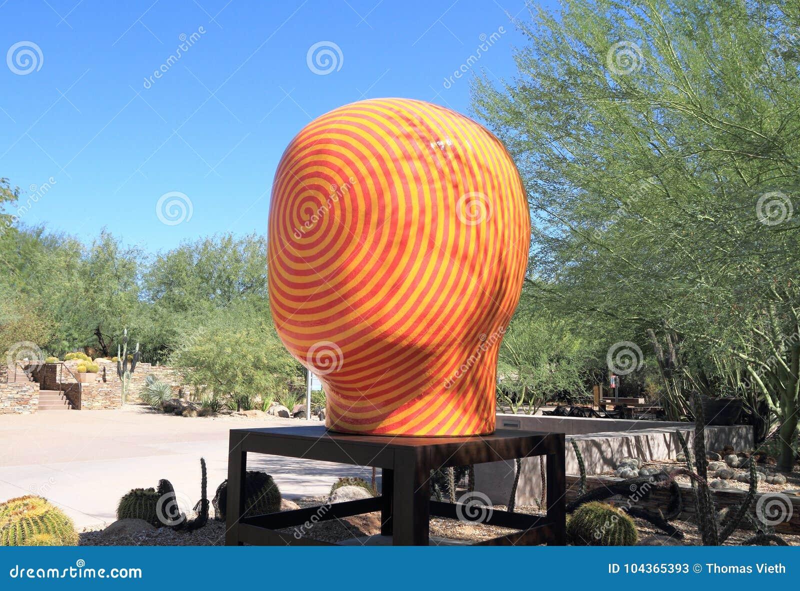 Phoenix/Tempe, o Arizona: Jun Kaneko Sculpture - CARA ESPIRAL VERMELHA