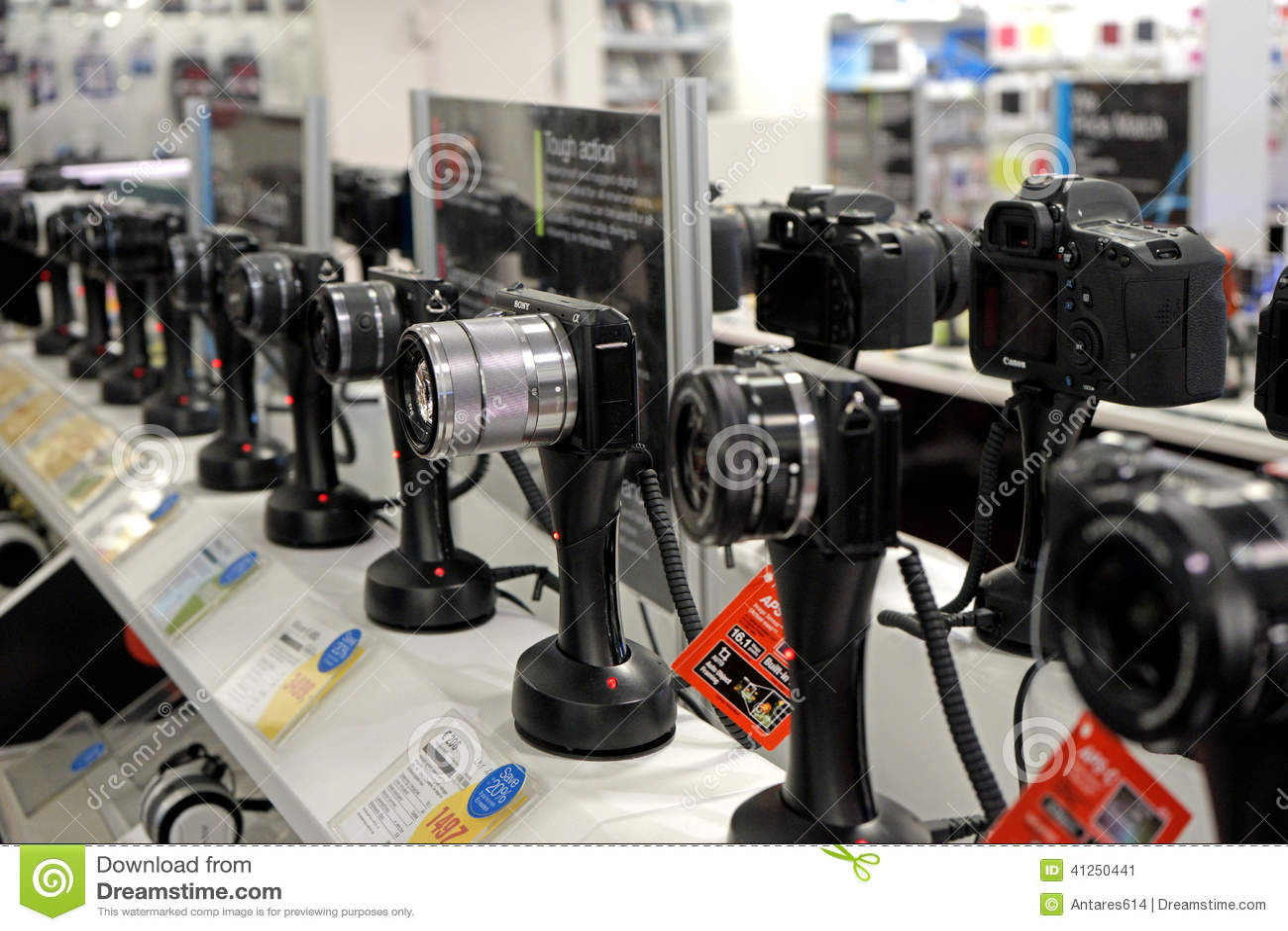 Photo Camera Store Editorial Photo - Image: 41250441