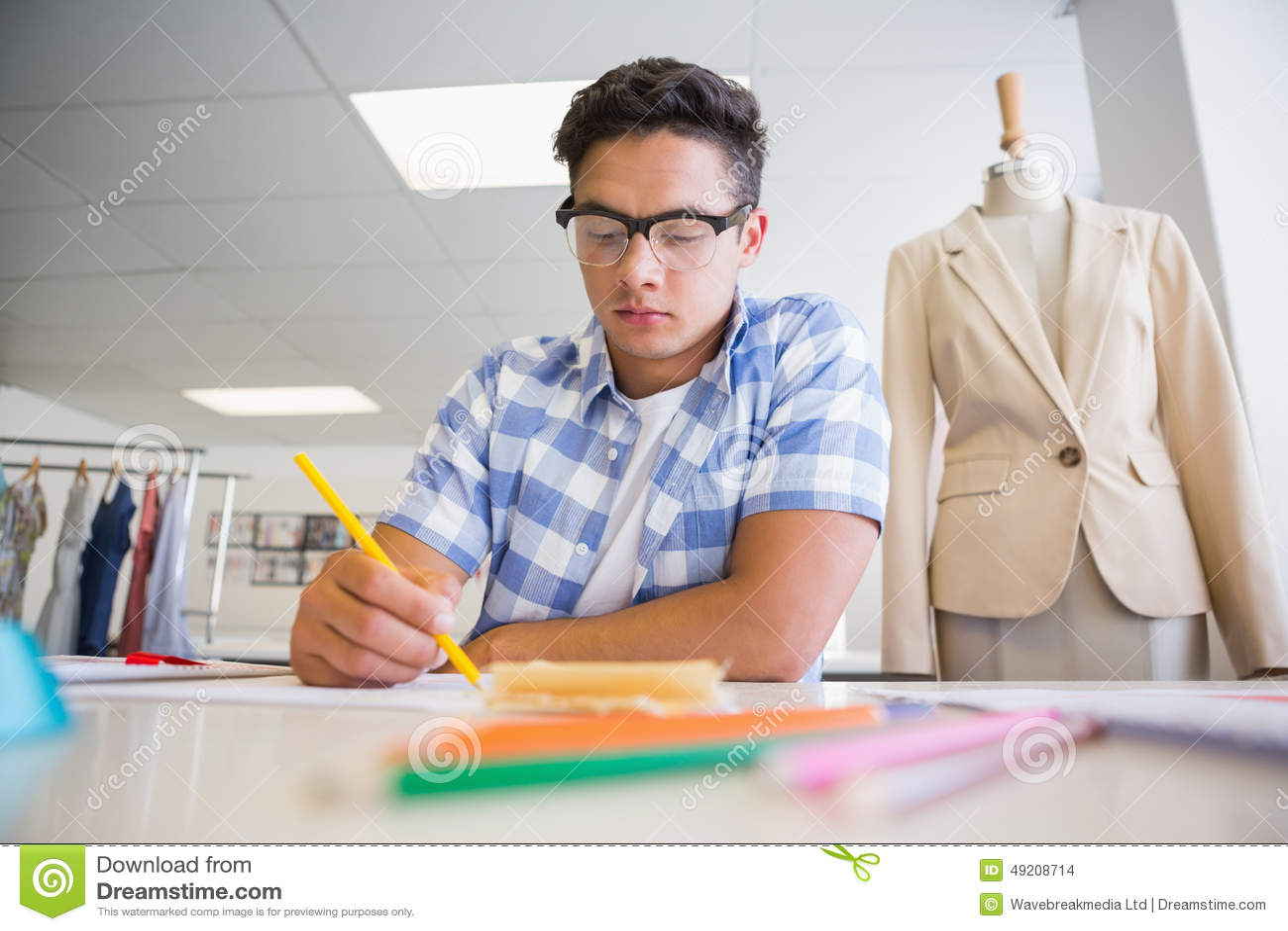 Photo Concentree De Dessin D Etudiant Universitaire Photo Stock
