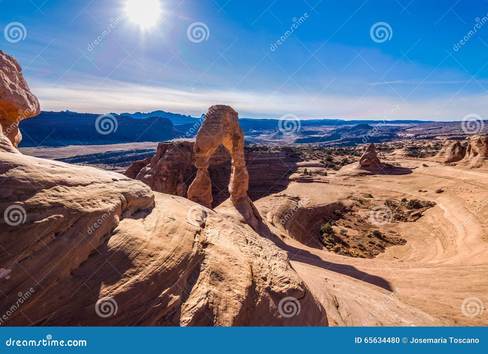 Photo courante de formation de roche rouge, stationnement national de voûtes