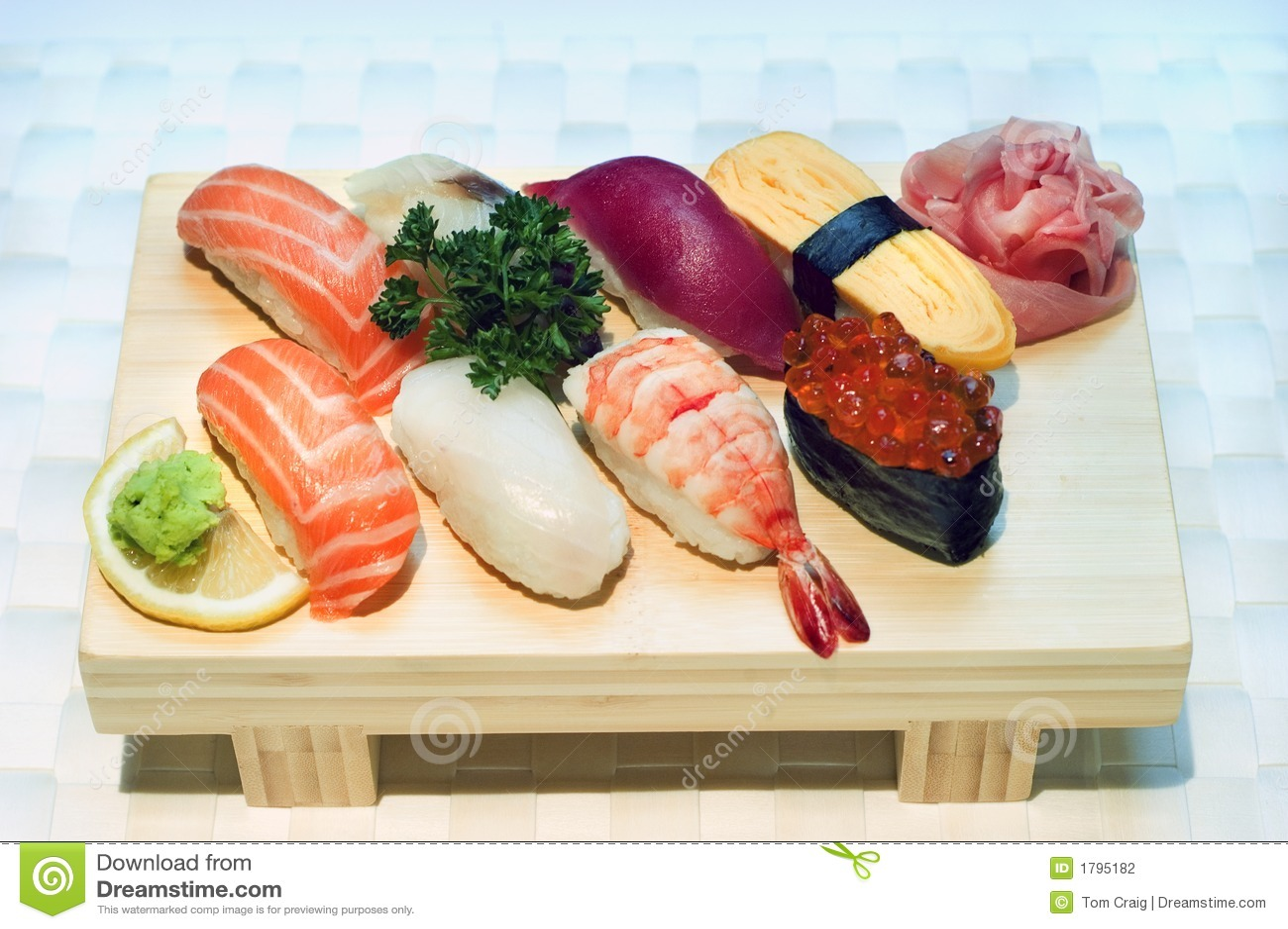 Photo courante des sushi japonais