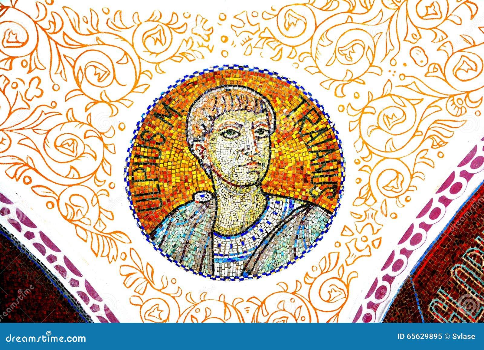 Photo d empereur Traian, à l intérieur du mausolée des héros dans Mateias, près de Campulung