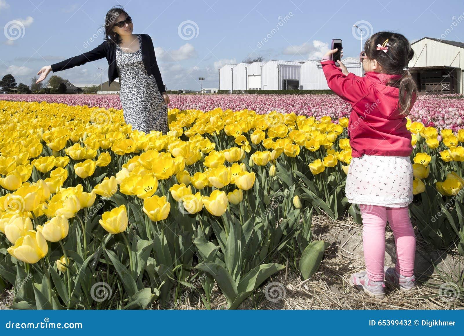 Photo de captures de petite fille de sa mère