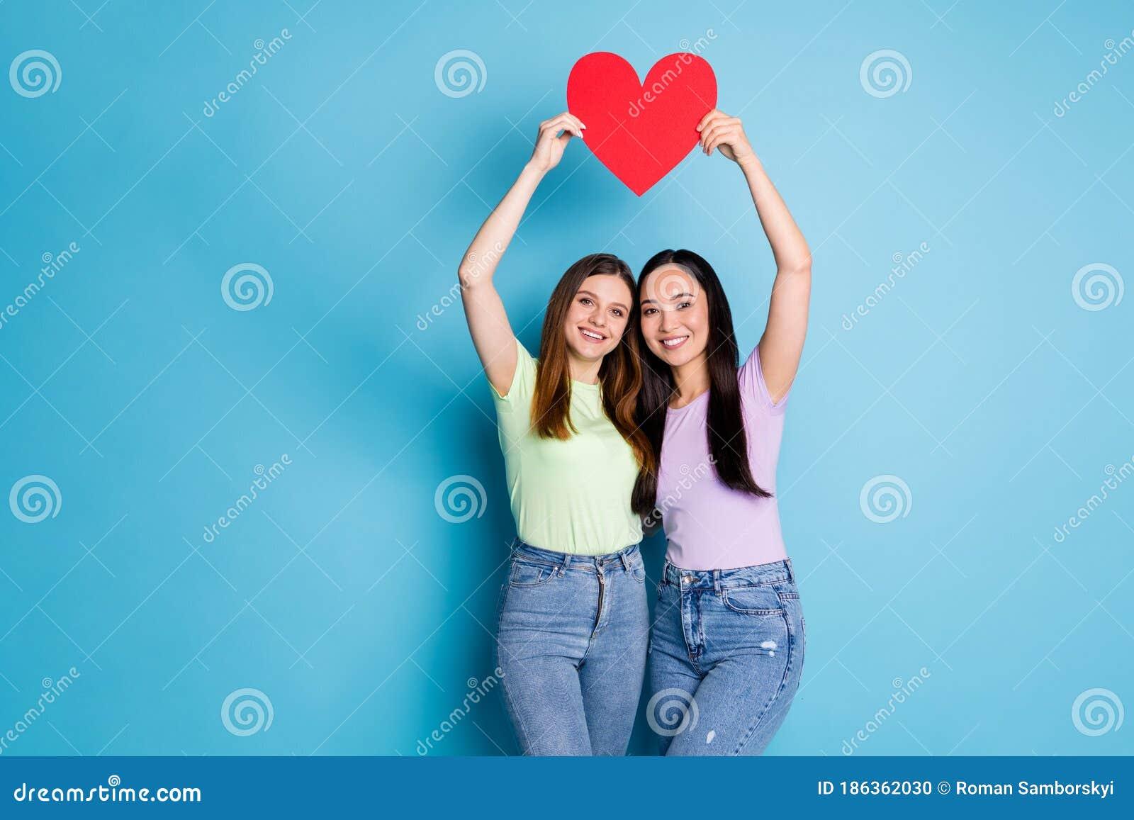 Deux lesbiennes amateurs sept