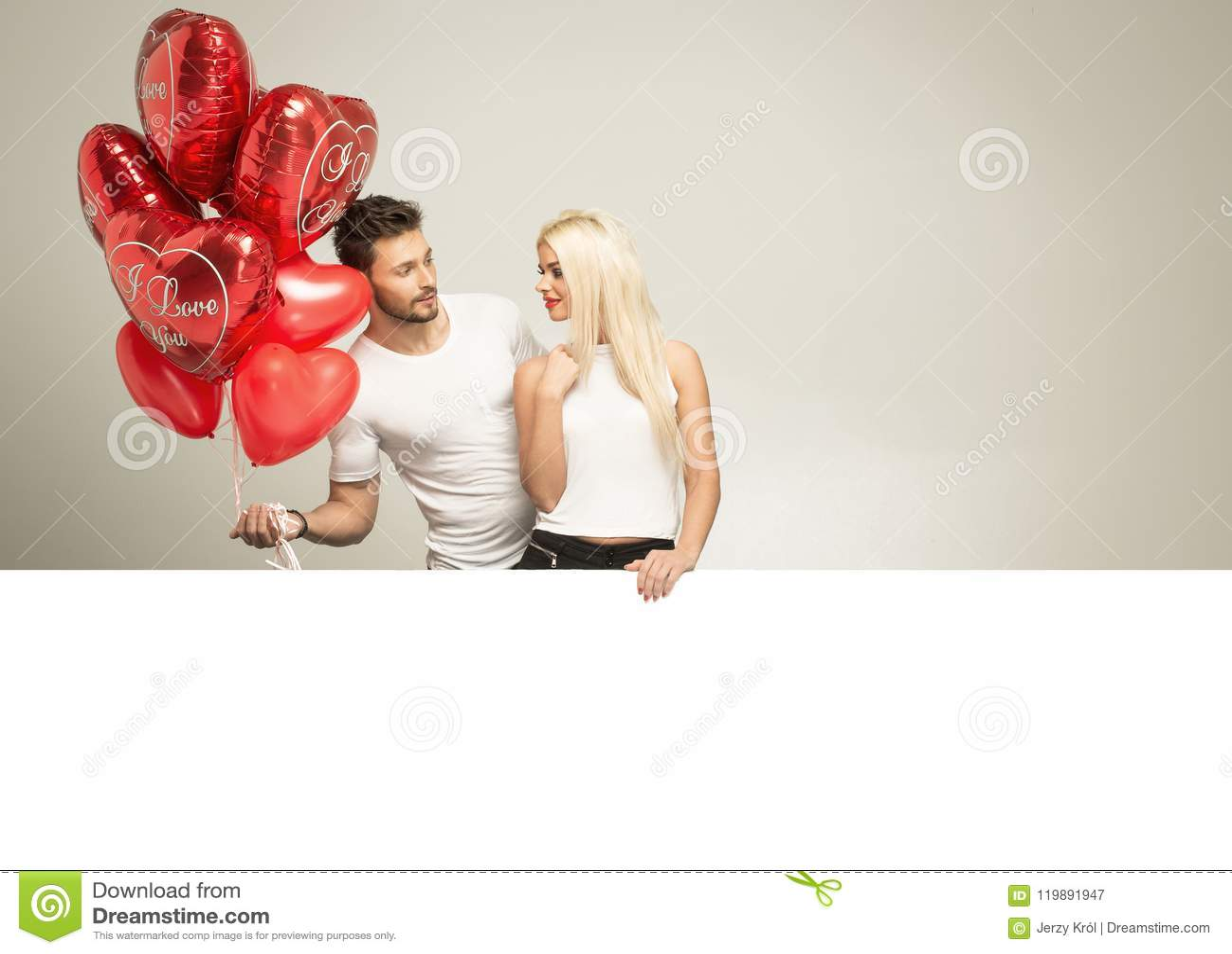 Photo de valentines de jeunes couples dans l amour