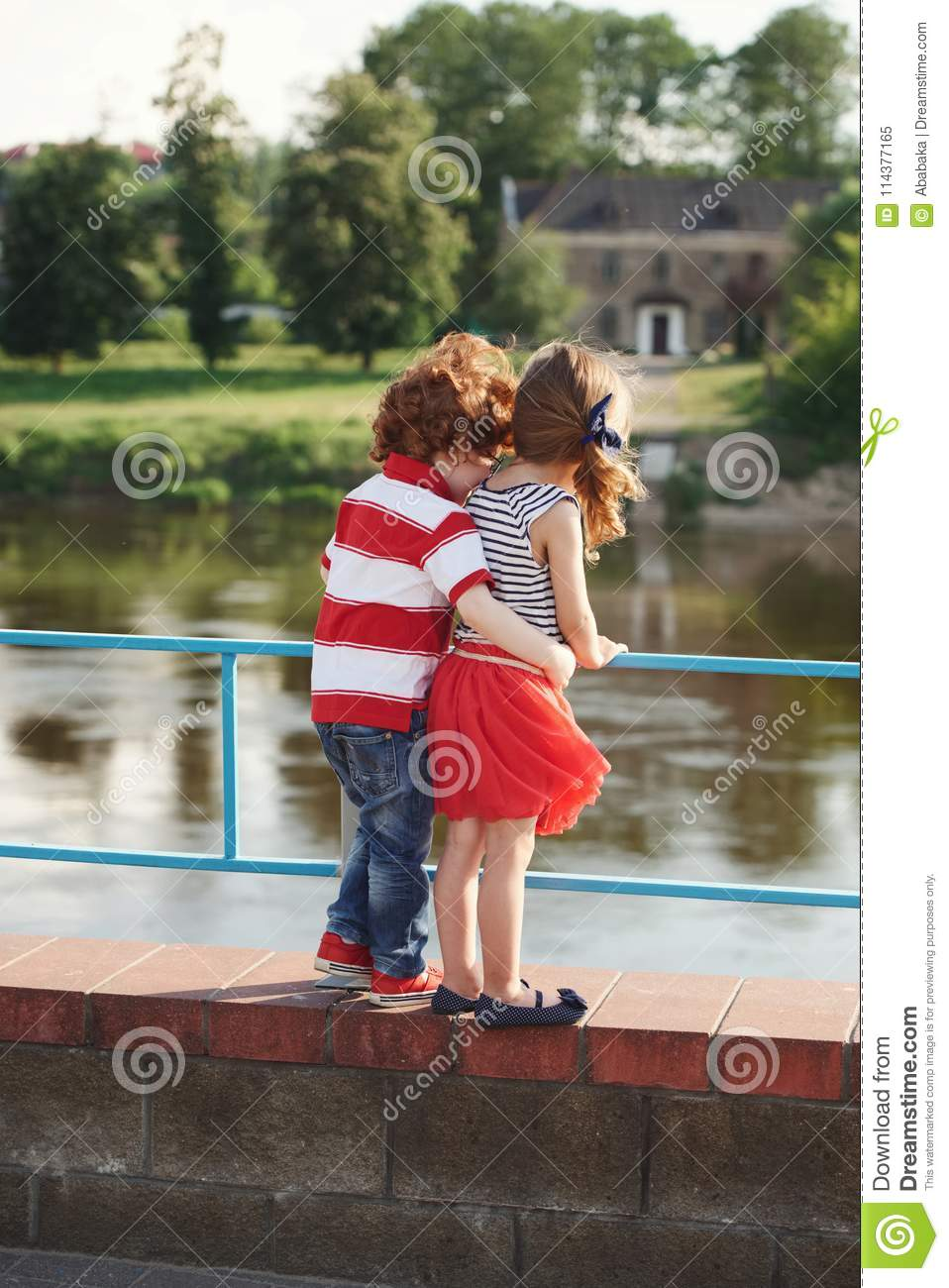 Girl and boy relationship in hindi