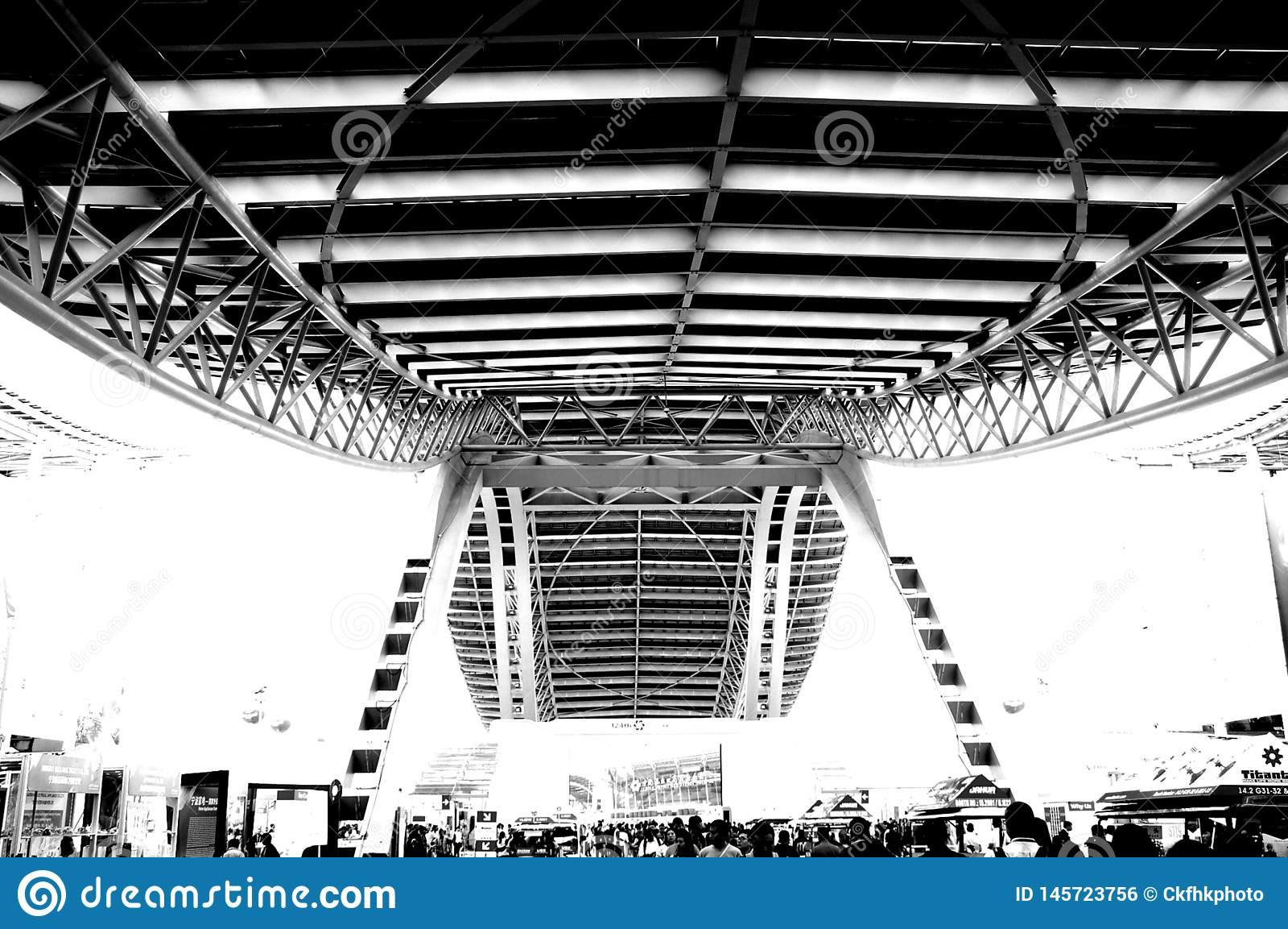 Photo noire et blanche, le plus grand hall d exposition du monde, b?timent, centre d exposition international de Guangzhou Pazhou