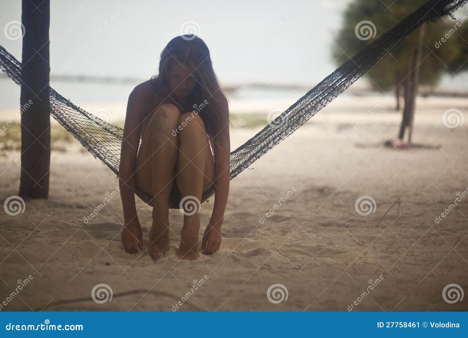 Photo romantique d une fille sur l île