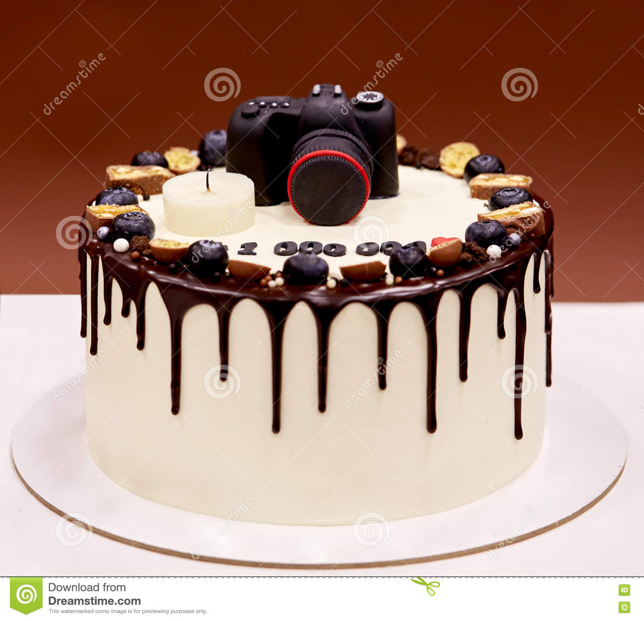 Photographers Birthday Cake With A Photo Camera On Top ...