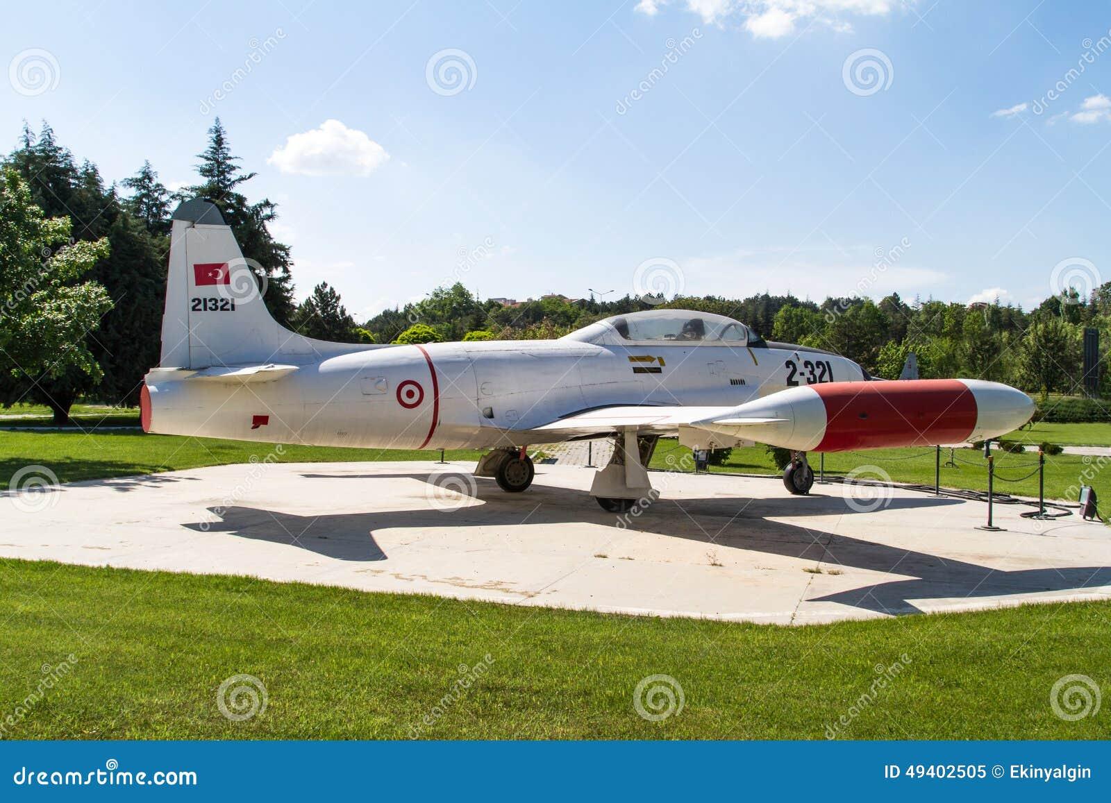 Download Photographisches Aufklärungsflugzeug Redaktionelles Bild - Bild von ladung, drehzahl: 49402505