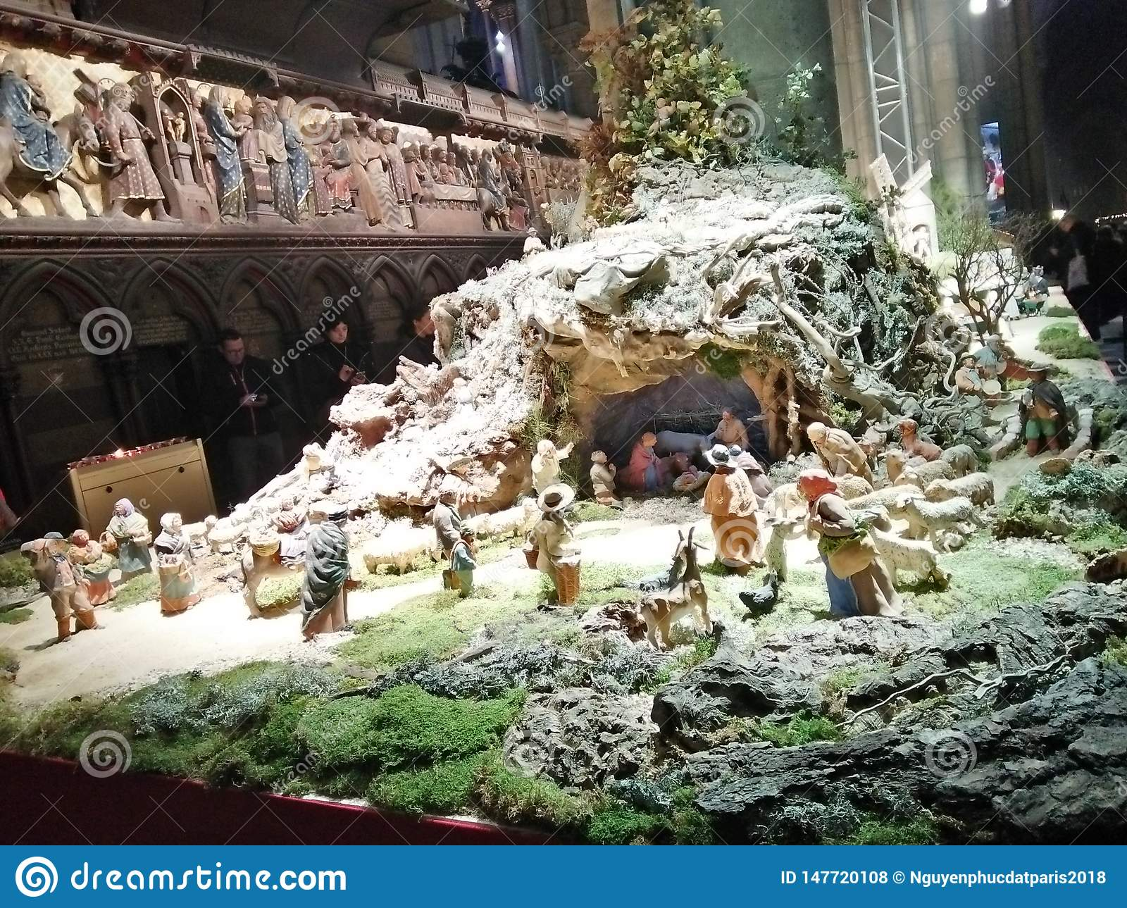 Photos à l intérieur de l église de Notre Dame Paris - chaleur de Noël
