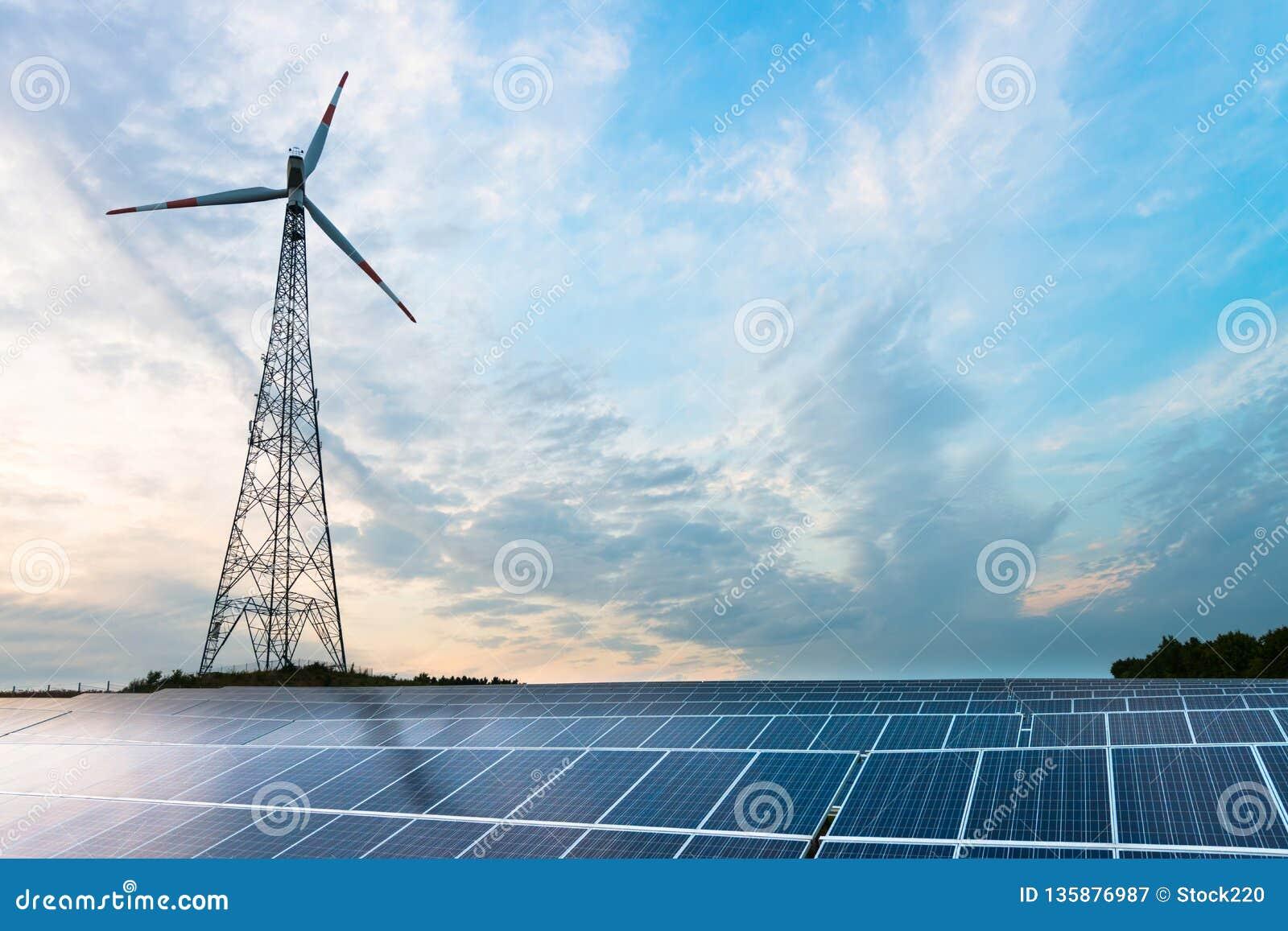 Photovoltaic silnik wiatrowy i panel