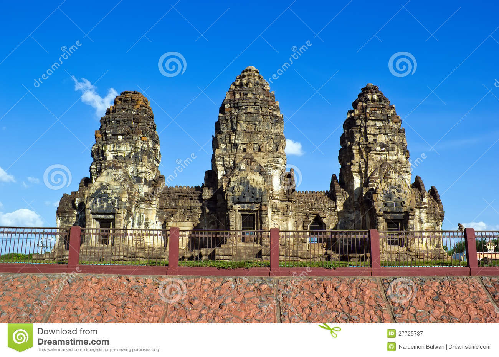 Phra Prang Sam Yot Royalty Free Stock Photography - Image: 27725737