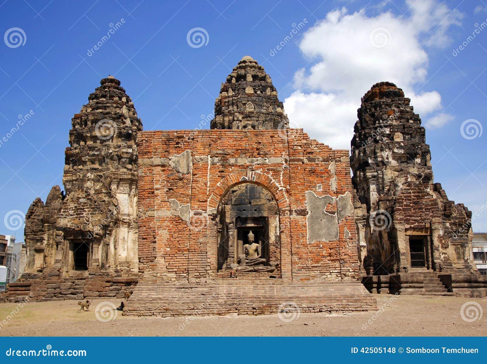 Phra Prang Sam Yot Stock Photo - Image: 42505148