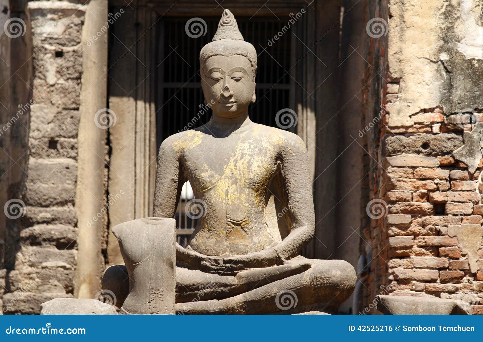 Phra Rozwala Sam Yot