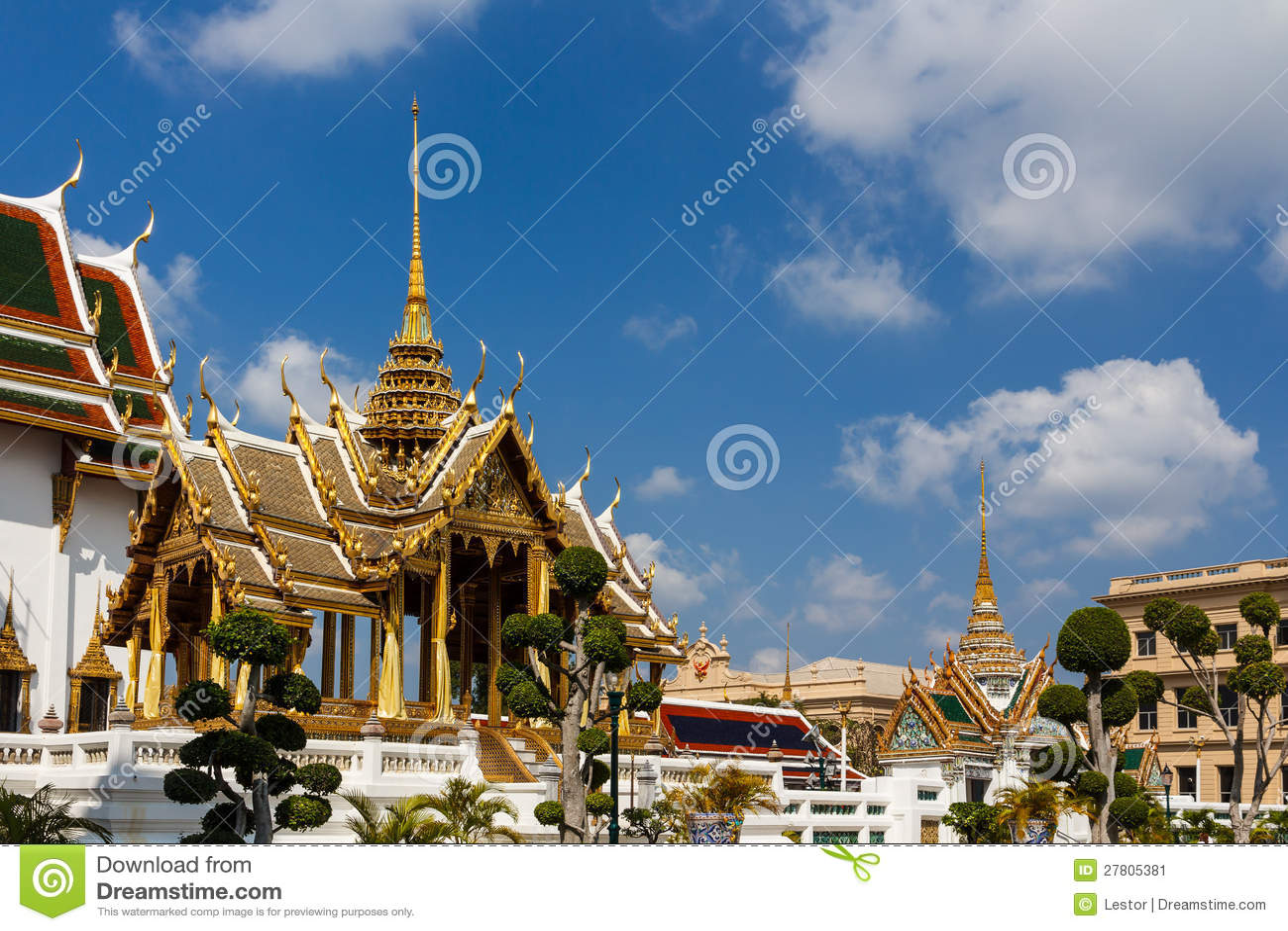 Phra Thinang Aphorn Phimok Prasat Stock Image - Image ...