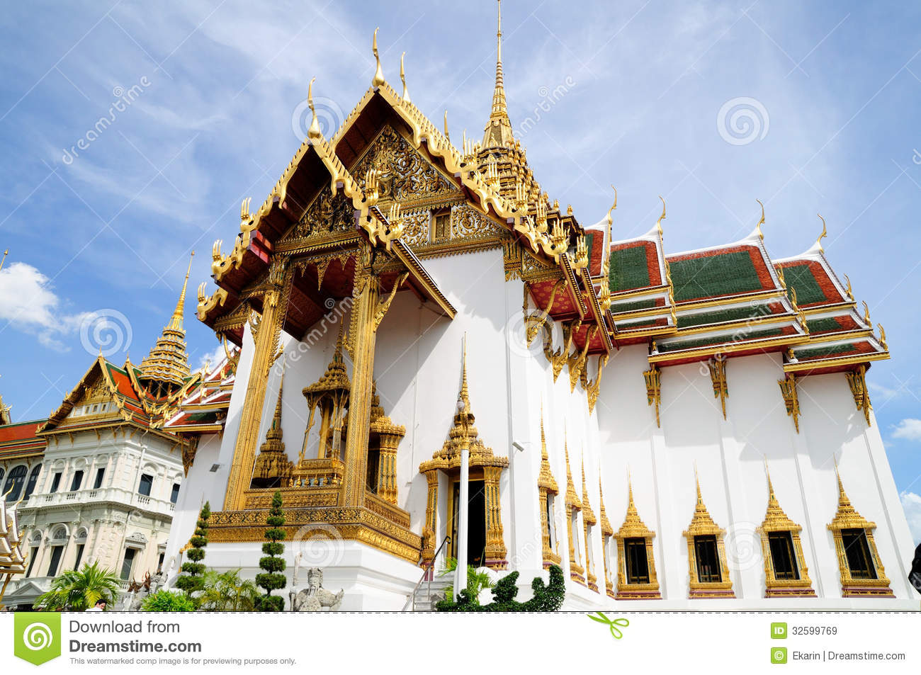 Phra Thinang Dusit Maha Prasat In Royal Palace Bangkok ...