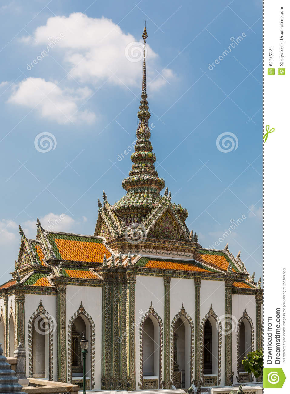 Phra Viharn Yod At Wat Phra Kaew Stock Photo - Image: 63776221