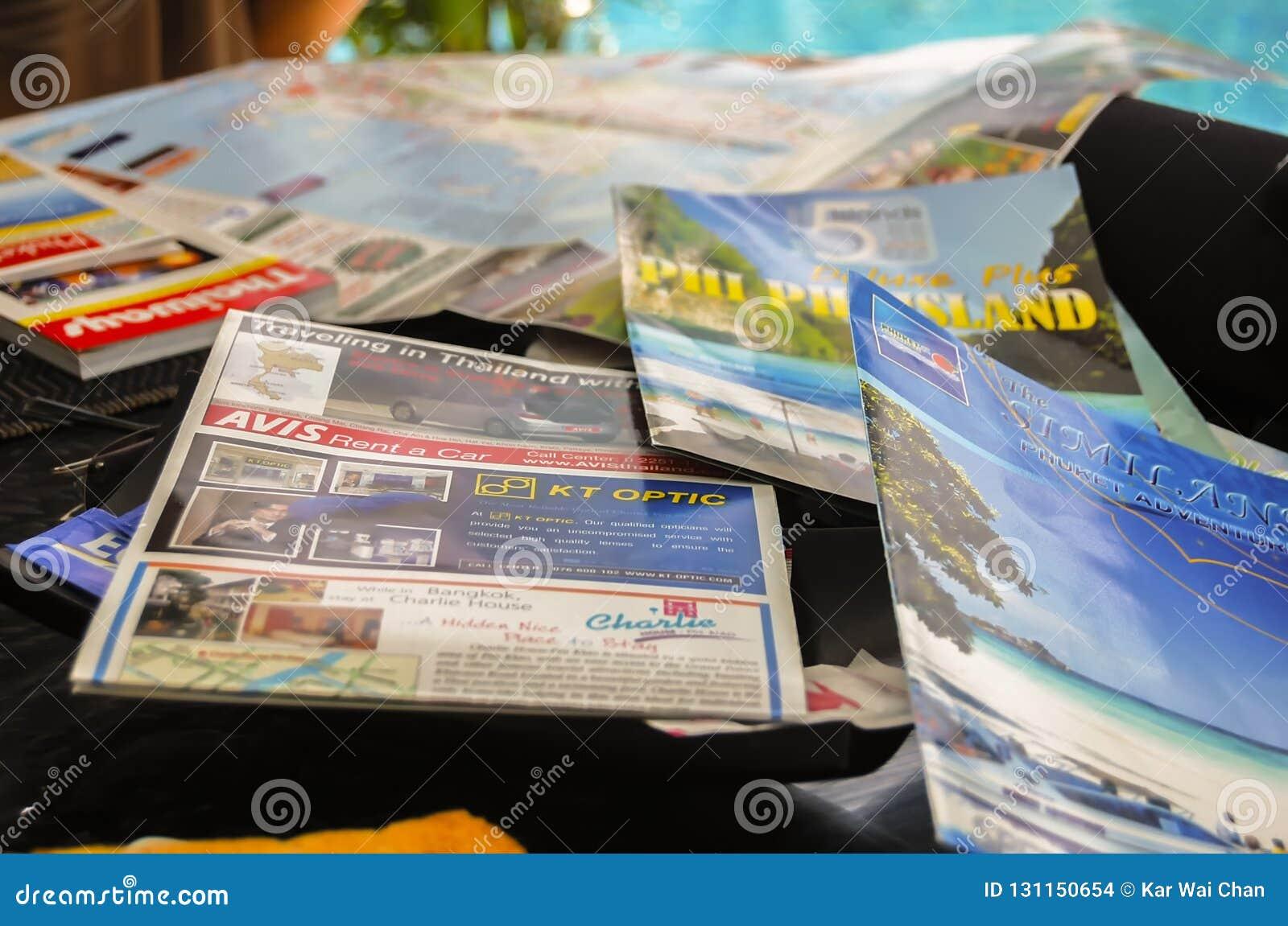 Phuket, Thailand - 2009: Reishandleidingen en tijdschriften van Thailand