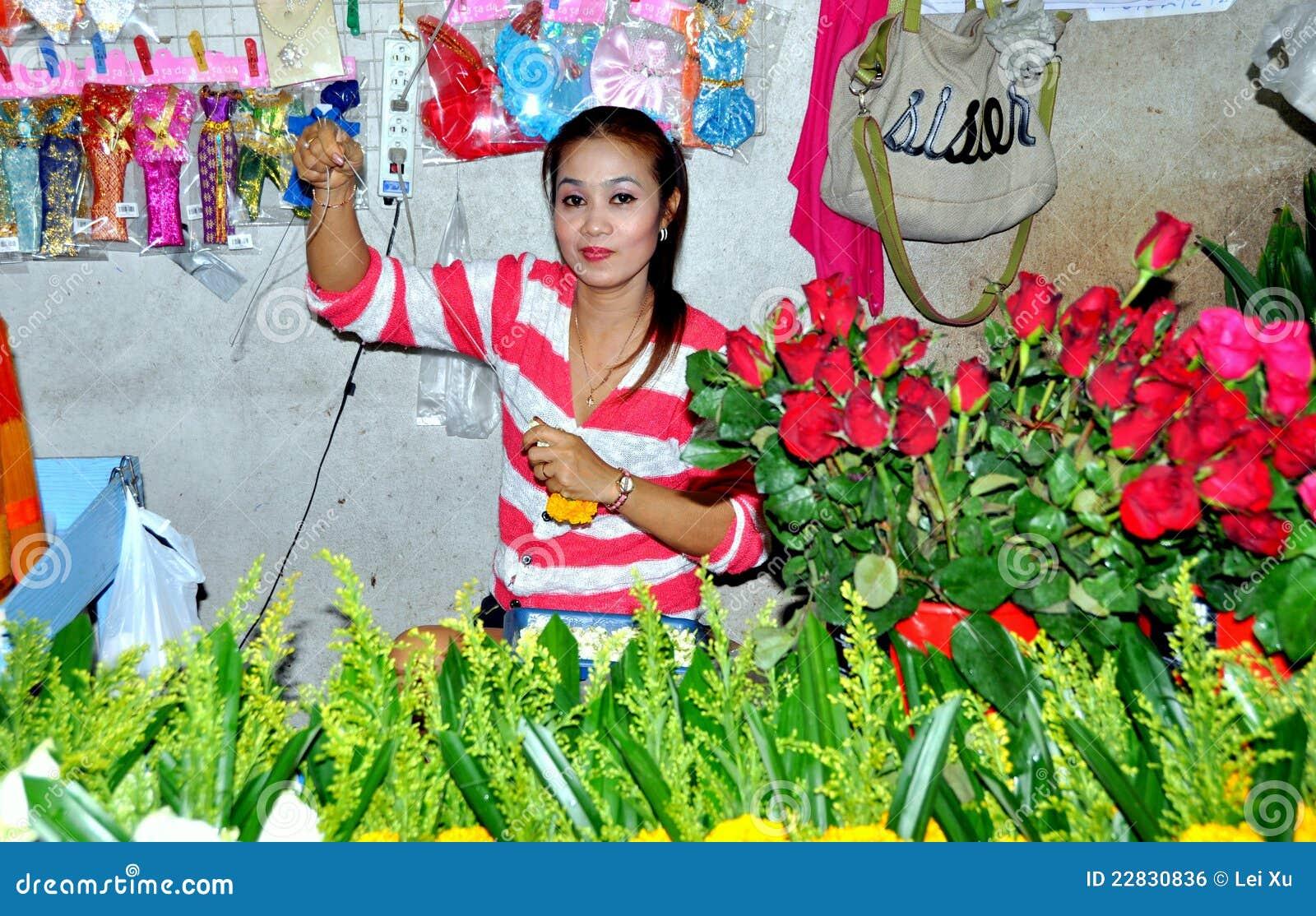 Phuket, Thailand: Woman Selling Roses Editorial Photo ...