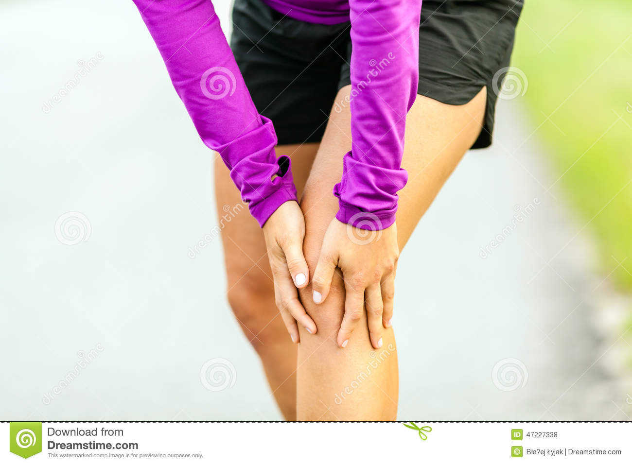 Physical injury running knee pain stock photo image 47227338 for Exterior knee pain