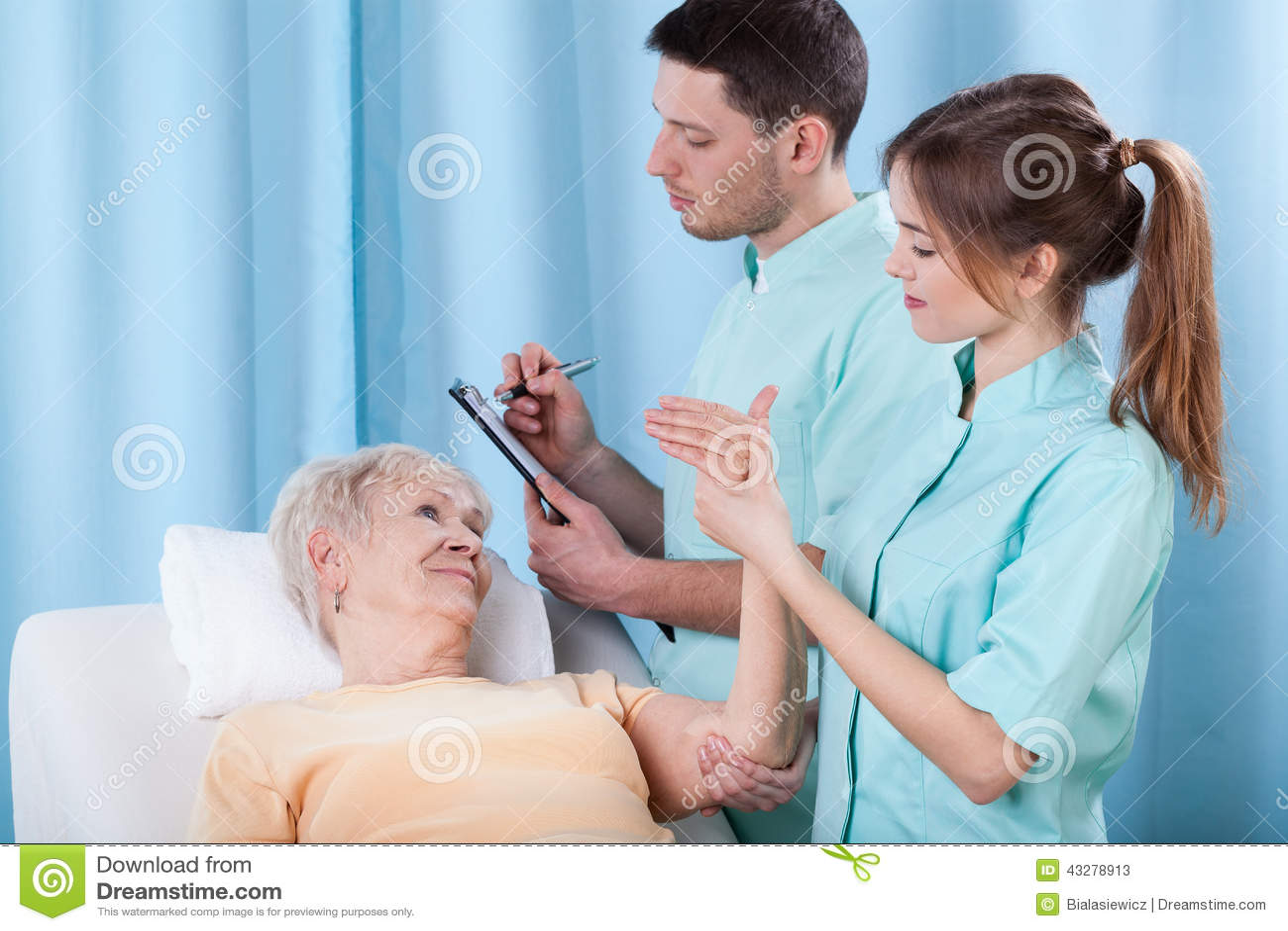 Physiotherapeuten, die Patienten bestimmen