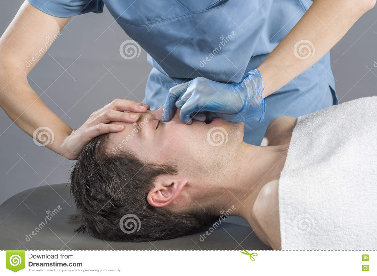 how to do a sinus massage
