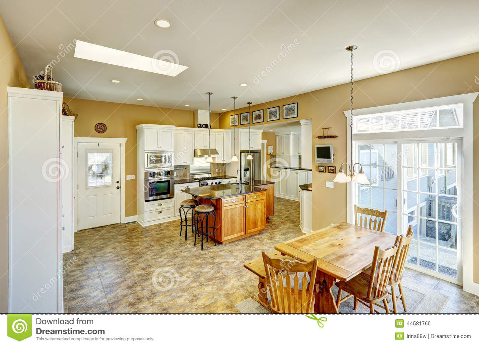 Cuisine avec salle a manger integree maison design - Petite cuisine integree ...